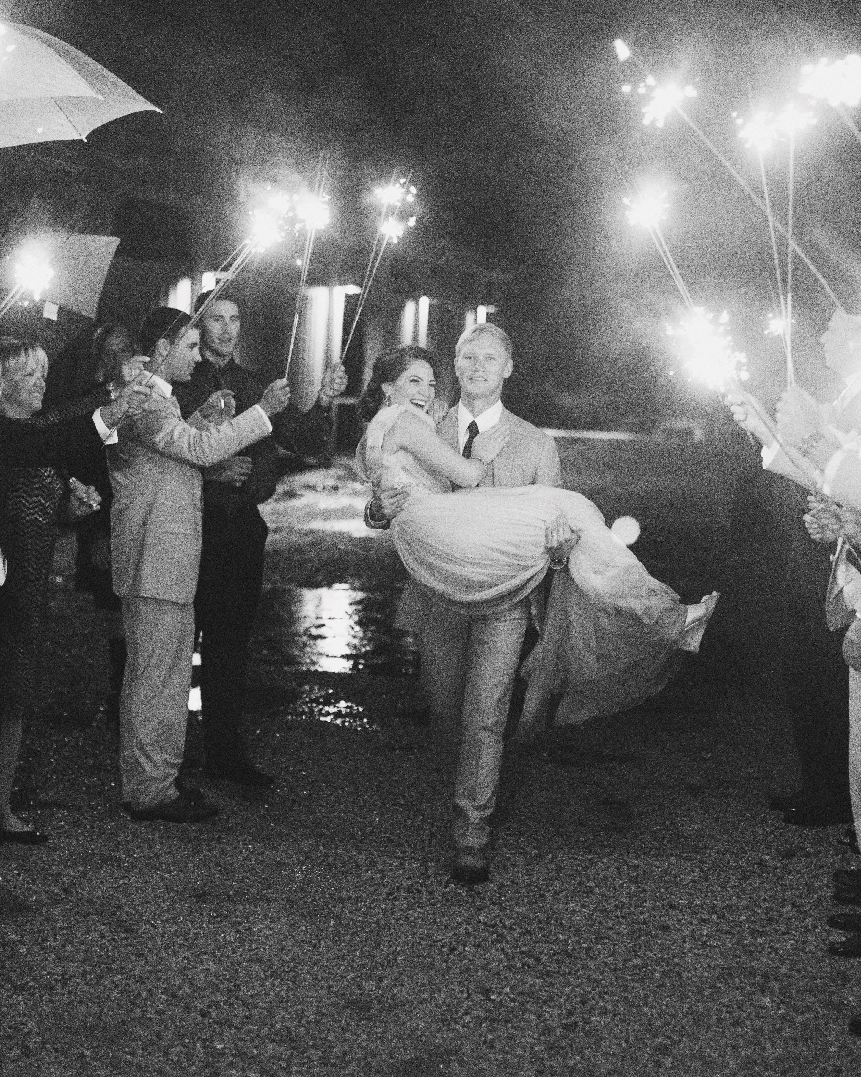 sara-matt-wedding-sparklers-42582-s111990-0715.jpg