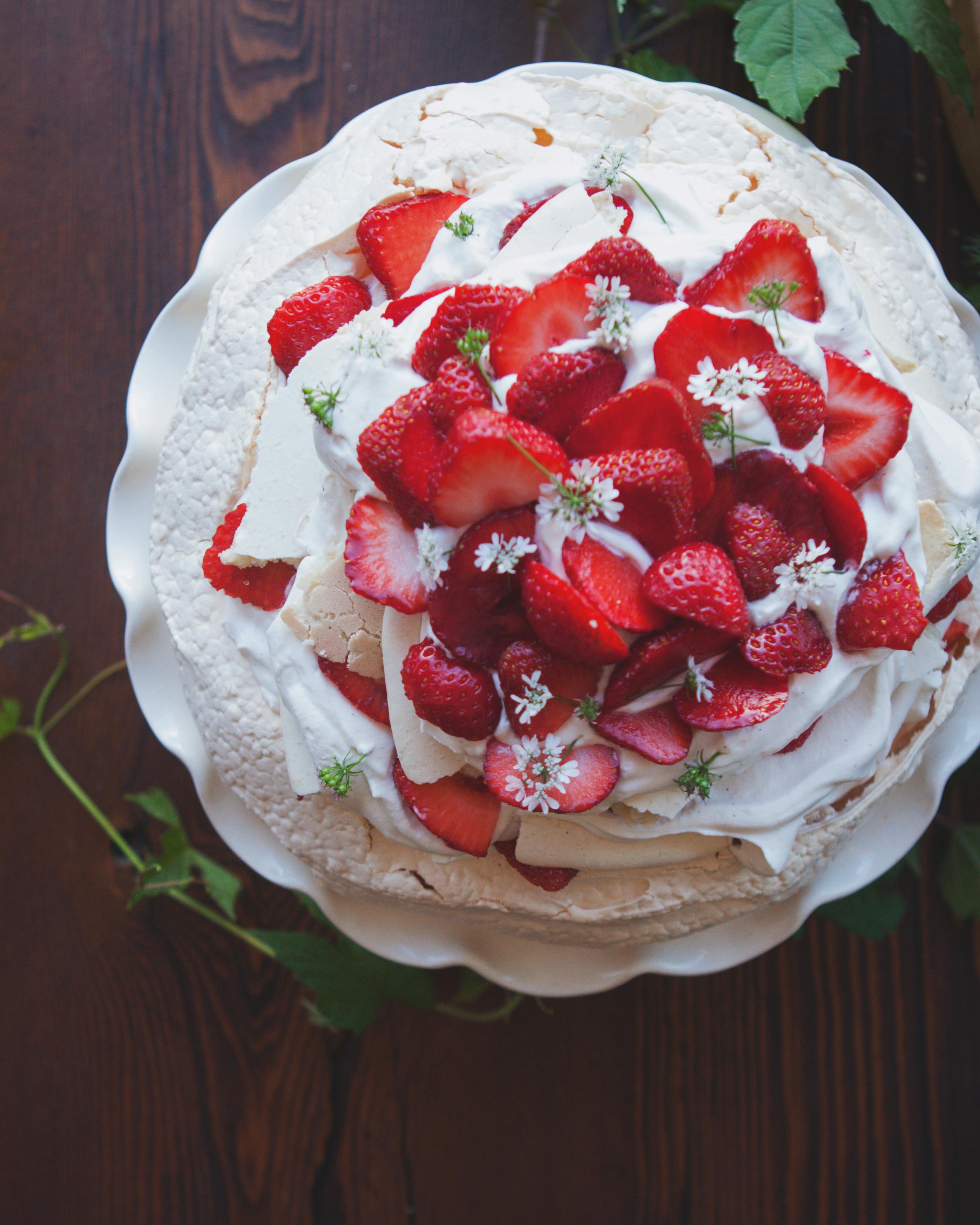 lilly-carter-wedding-cake-00561-s112037-0715..jpg