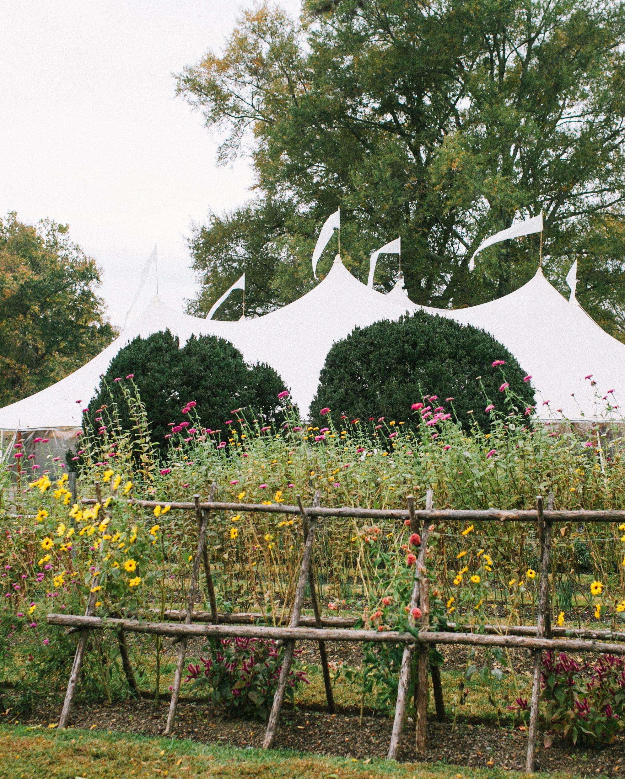 brittany-andrew-wedding-tent-071-s112067-0715.jpg