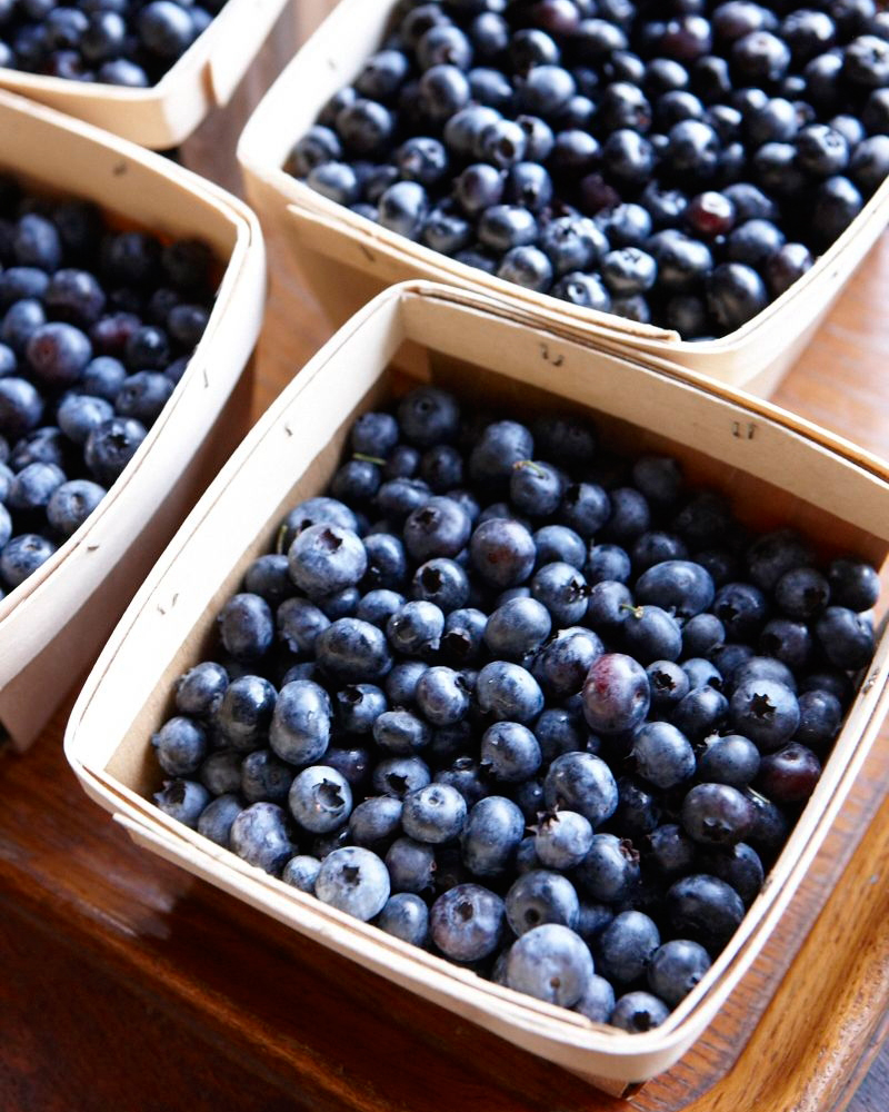 blueberries-ld107757.jpg