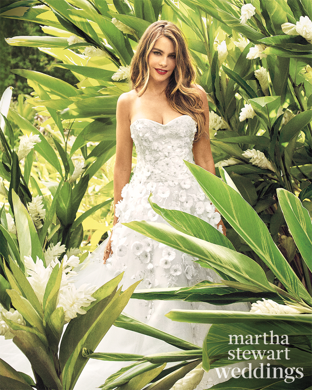 sofia-vergara-m07-white-bridal-gown-2-024v2-d112252-r1-vert-0815.jpg