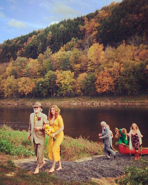 celebrity-colorful-wedding-dresses-amber-tamblyn-yellow-0815.jpg