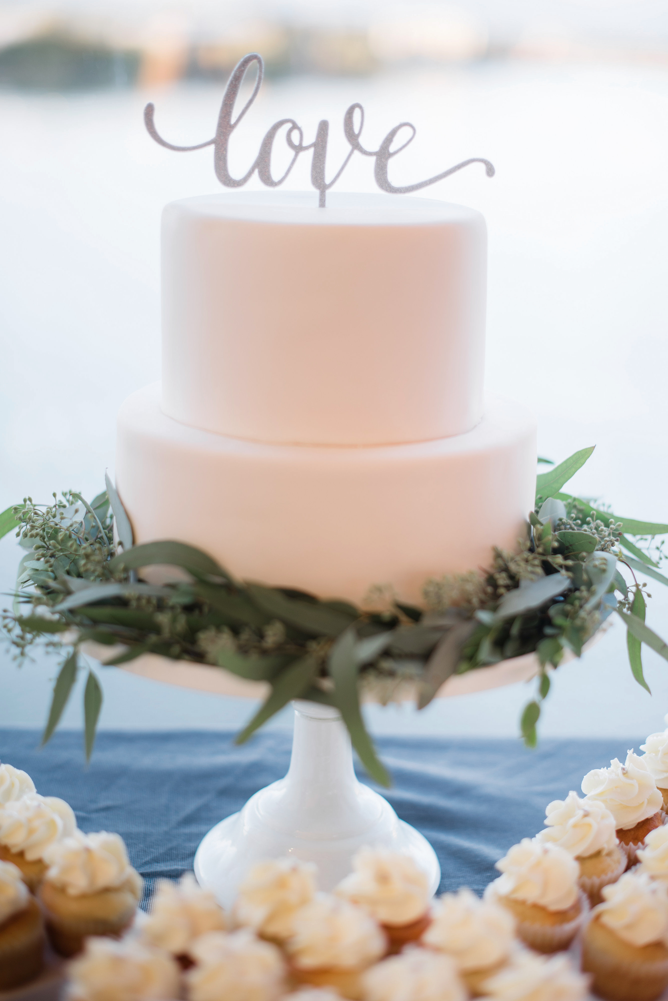 """love"" wedding cake"