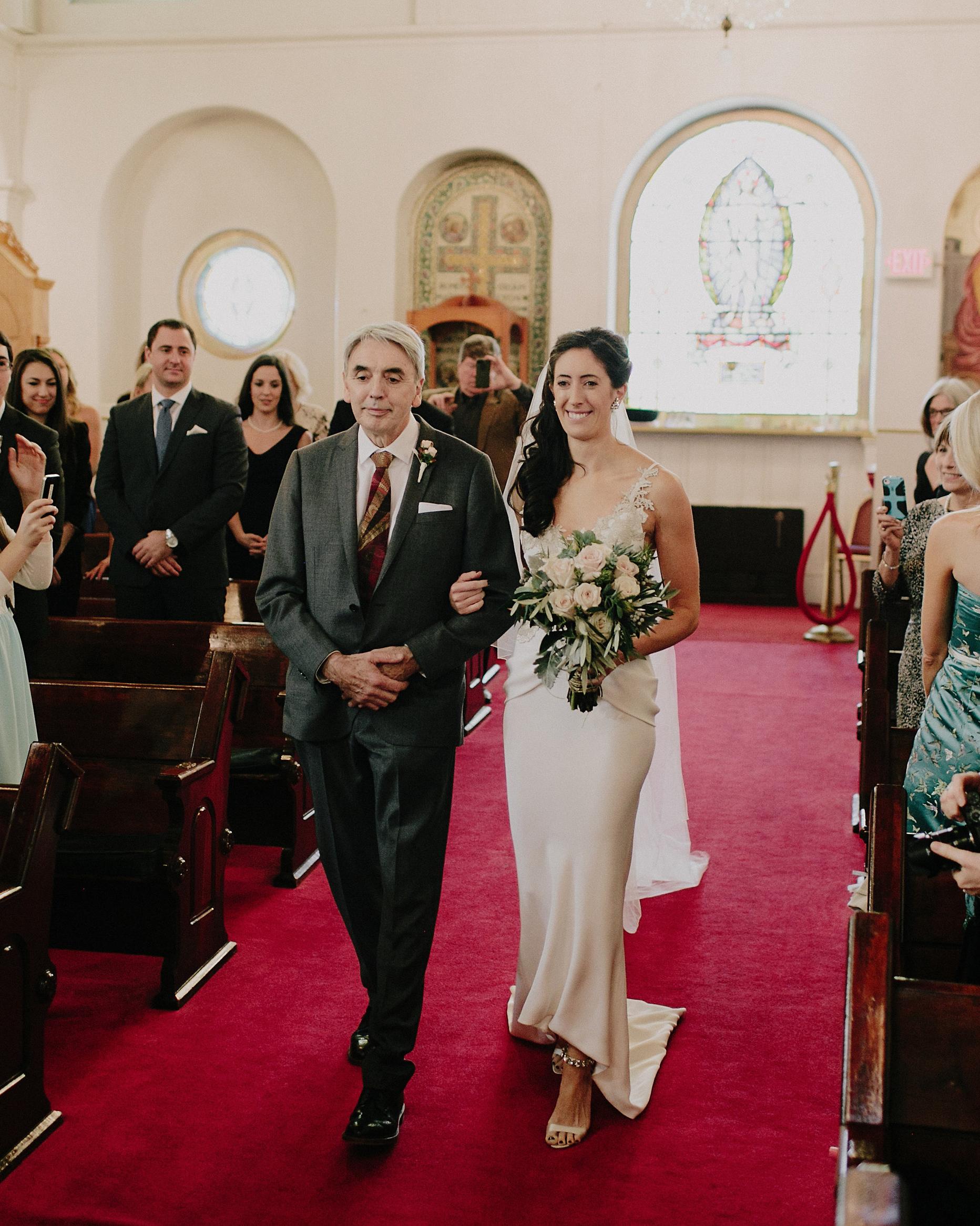 rosie-constantine-wedding-processional-118-s112177-1015.jpg