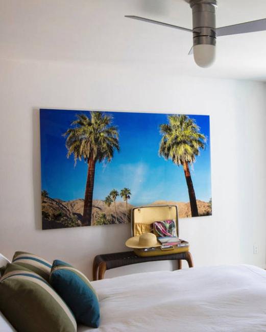 jenny-bernheim-bachelorette-bedroom-0715.jpg