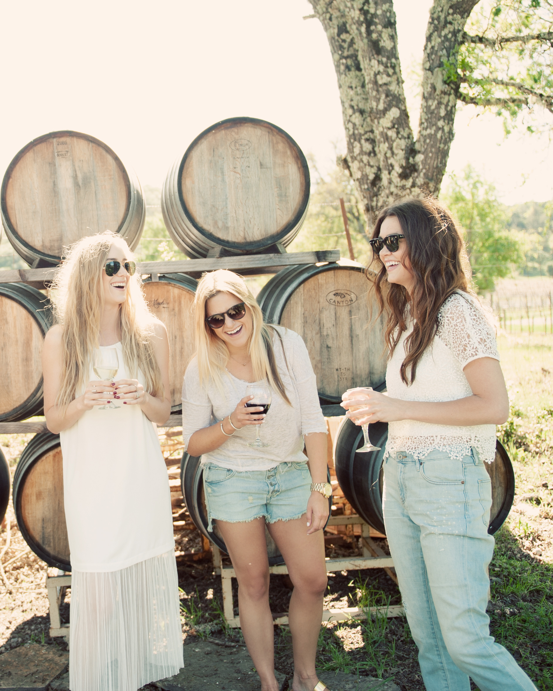 eatsleepwear-napa-valley-bachelorette-party-friends-wine-cask-0415.jpg
