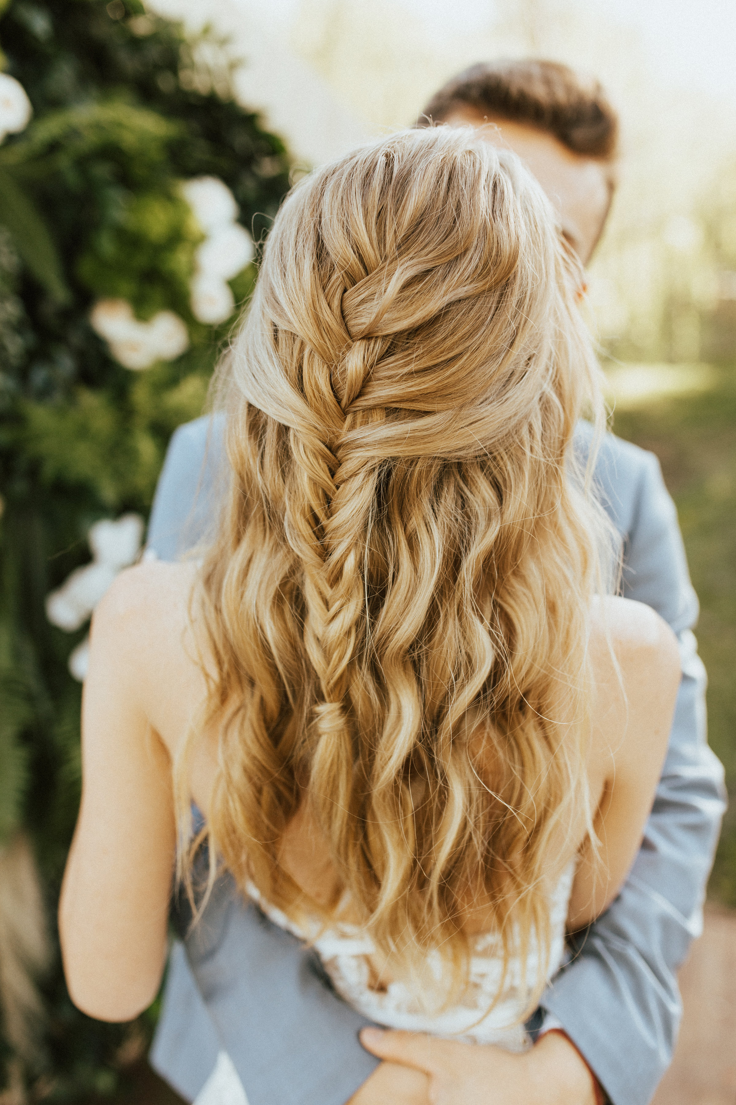 37 Pretty Wedding Hairstyles for Brides with Long Hair ...