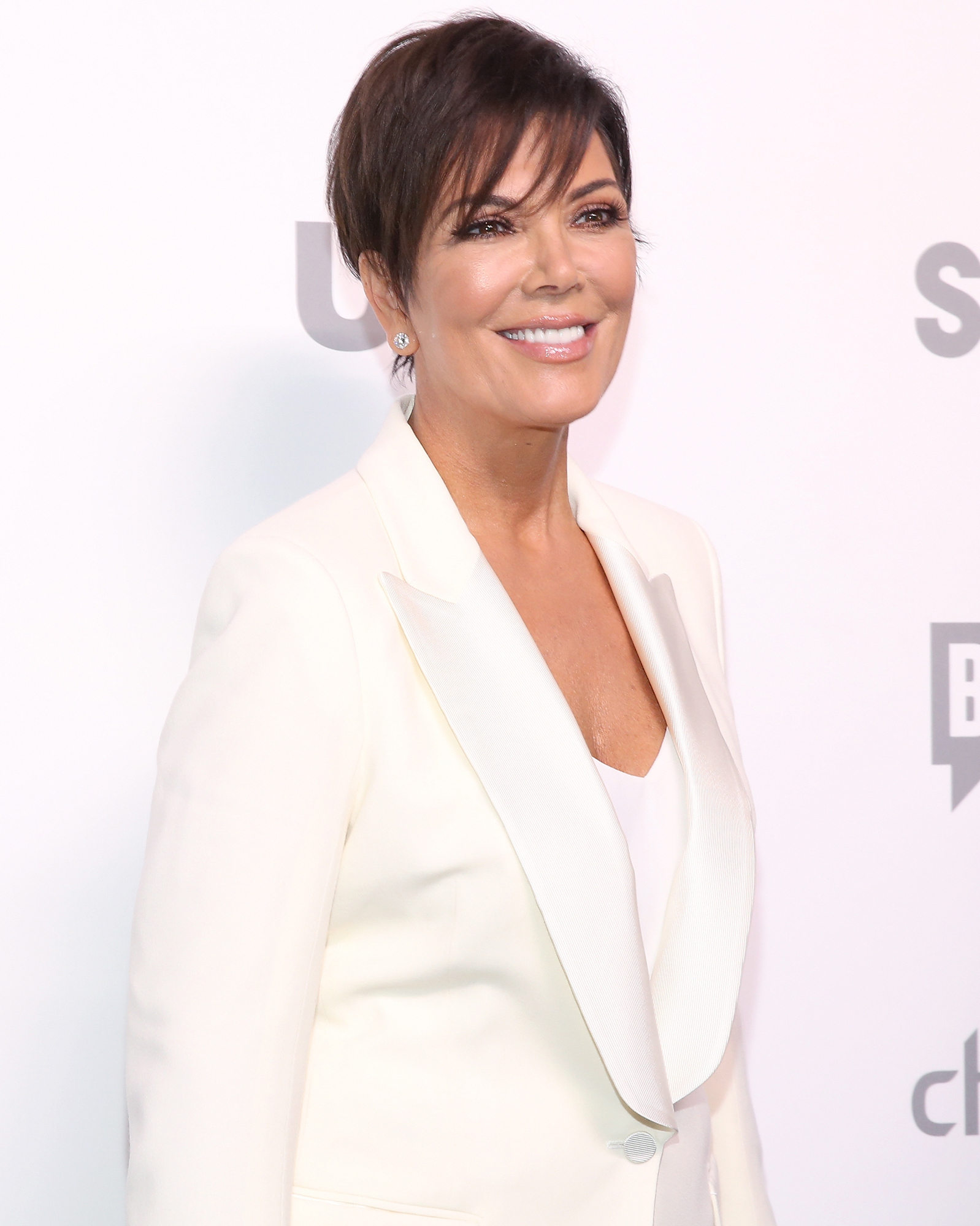 celebrity-wedding-officiant-kris-jenner-1015.jpg