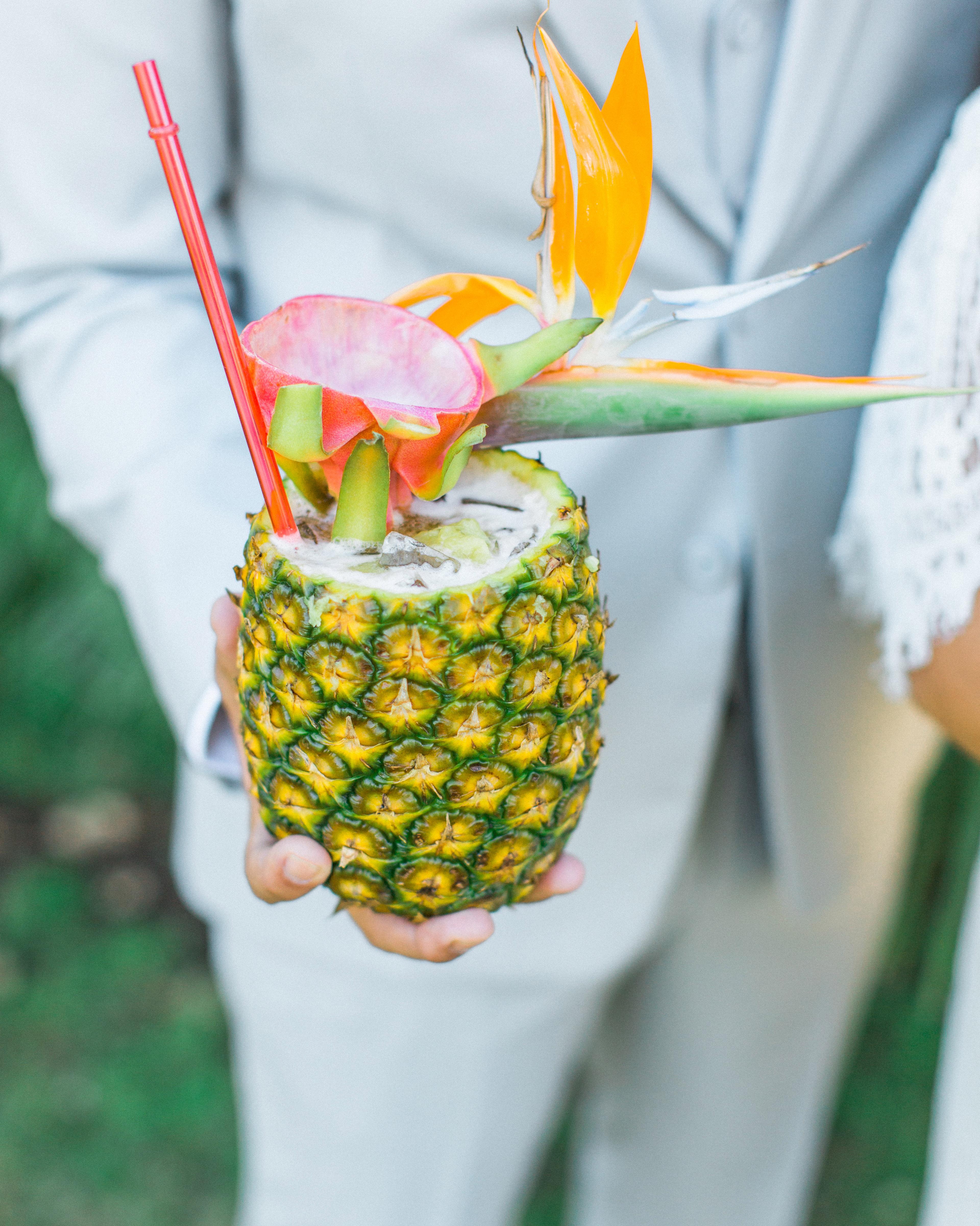 summer reception ideas pineapple drink