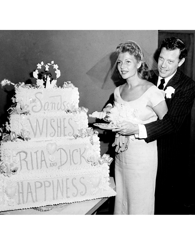 celebrity-vintage-wedding-cakes-rita-hayworth-79043909-1015.jpg