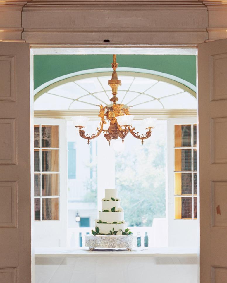 jessica-graham-wedding-cake-0057-s112171-0915.jpg