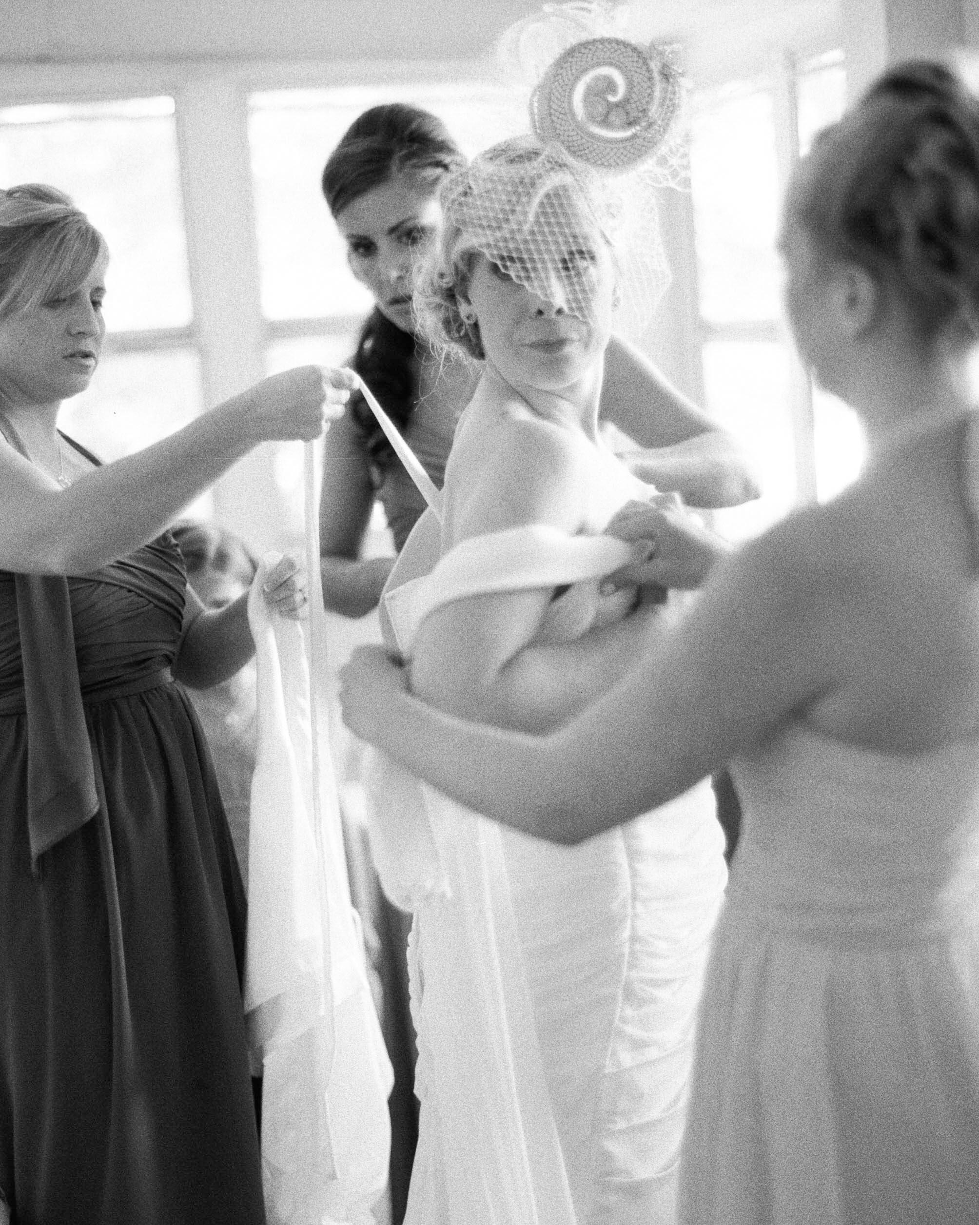 liz-jeff-wedding-gettingready-219-s112303-1115.jpg