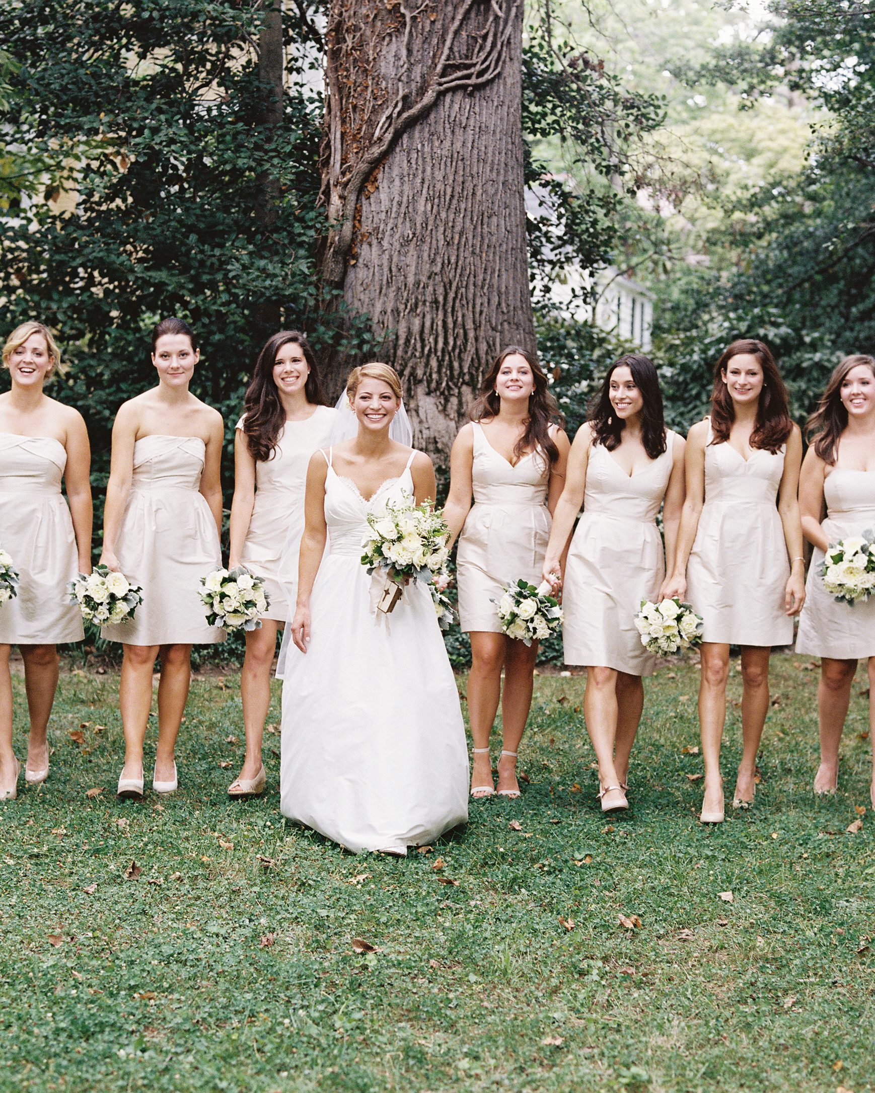beth-scott-wedding-bridesmaids-0377-s112077-0715.jpg