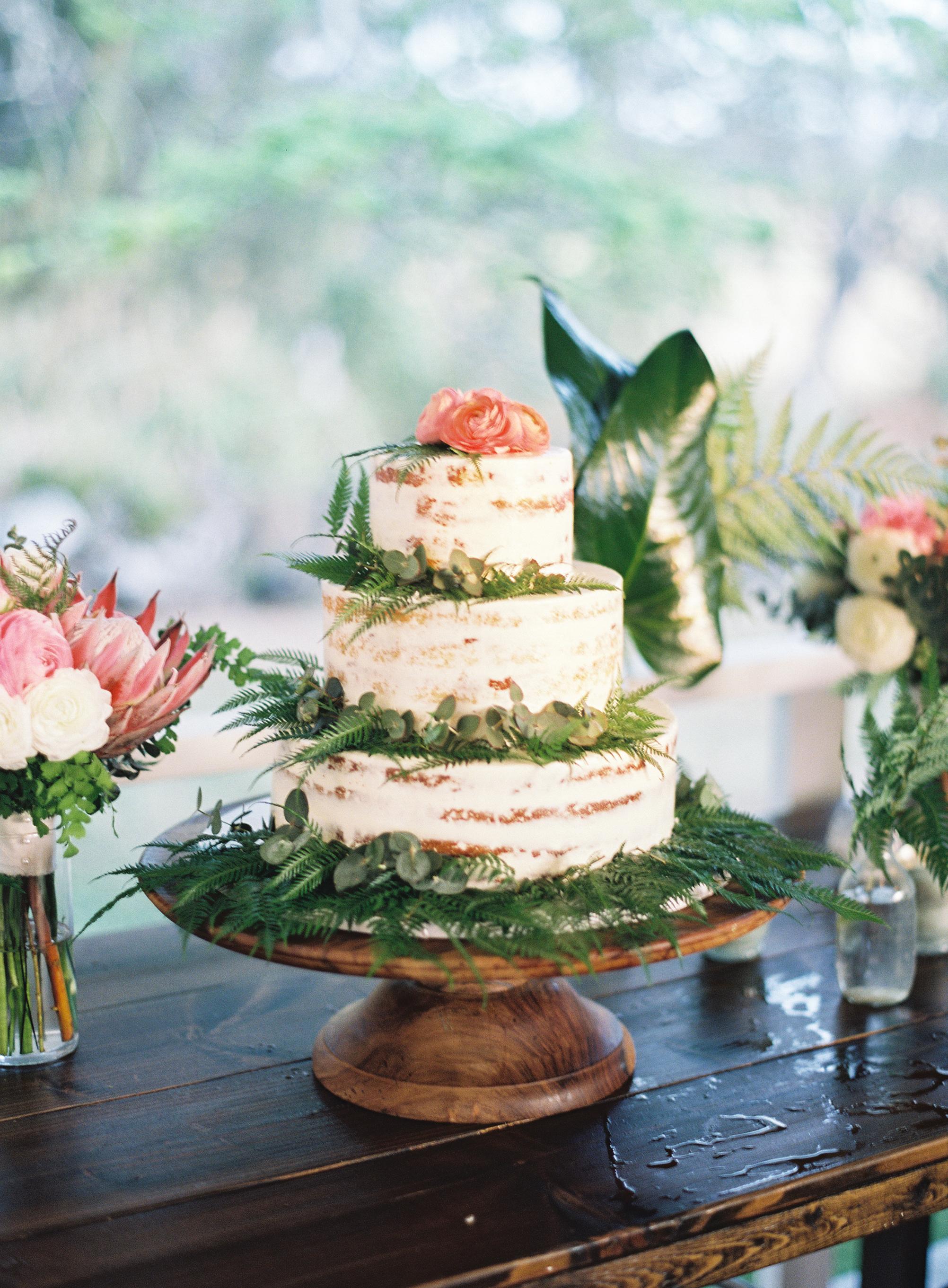 wedding cake with foliage