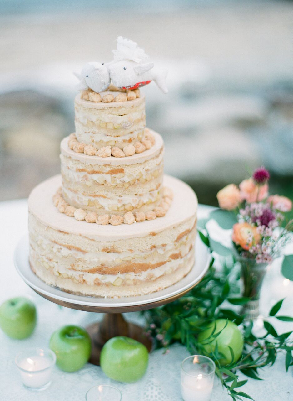 wedding cake with bird topper