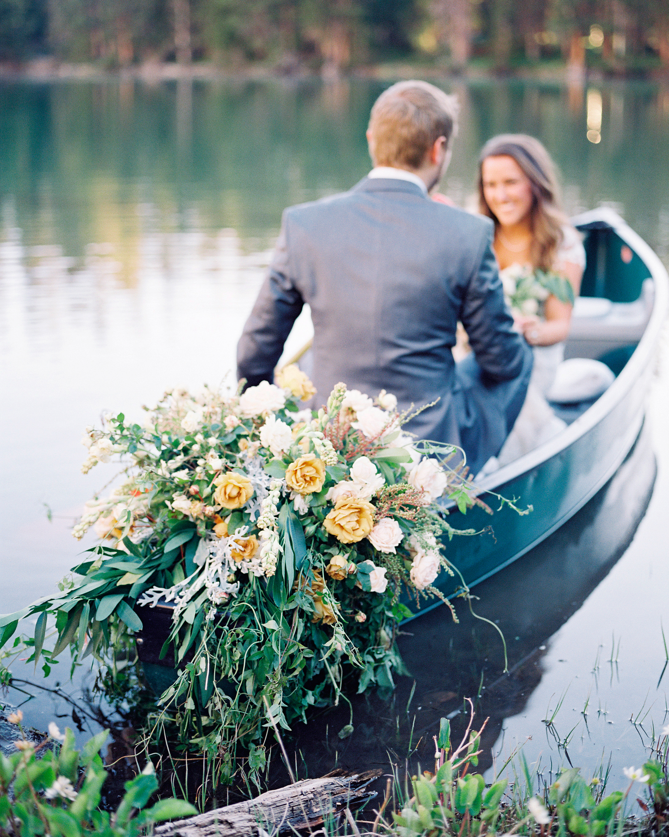 mckenzie-brandon-wedding-canoe-104-s112364-1115.jpg