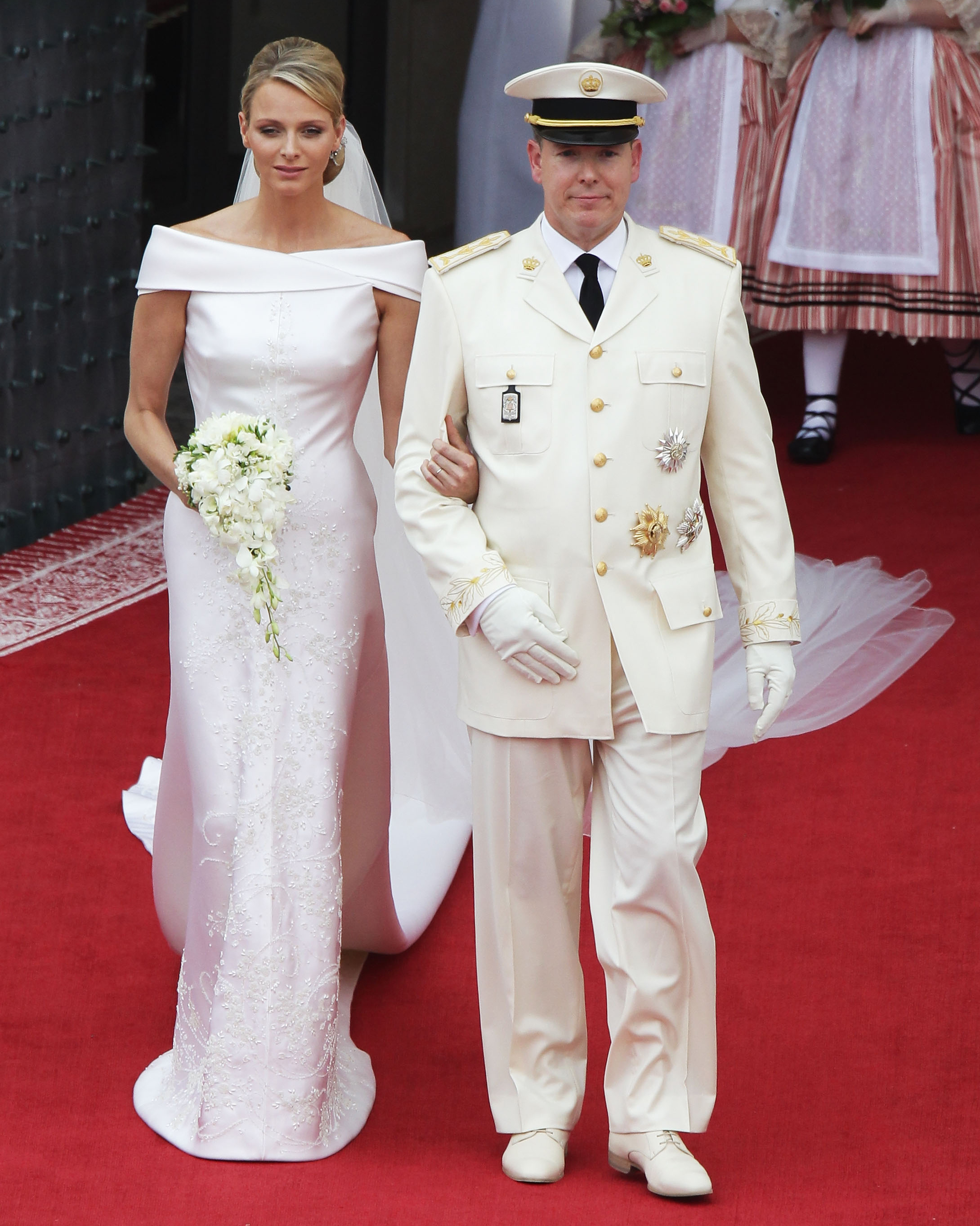 royal-wedding-dress-charlene-wittstock-monaco-117975332-1115.jpg