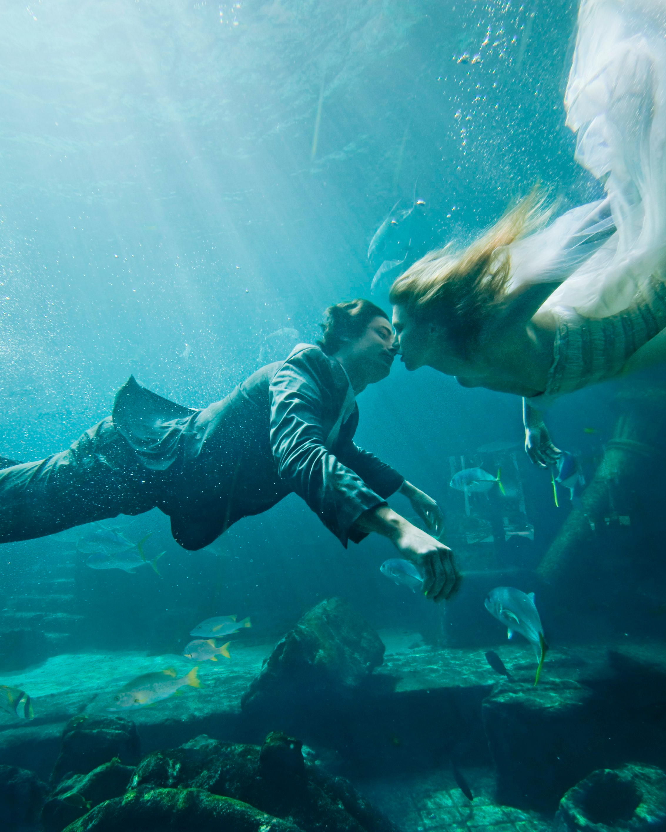 adventurous-ways-to-marry-atlantis-underwater-wedding-in-the-dig-1215.jpg