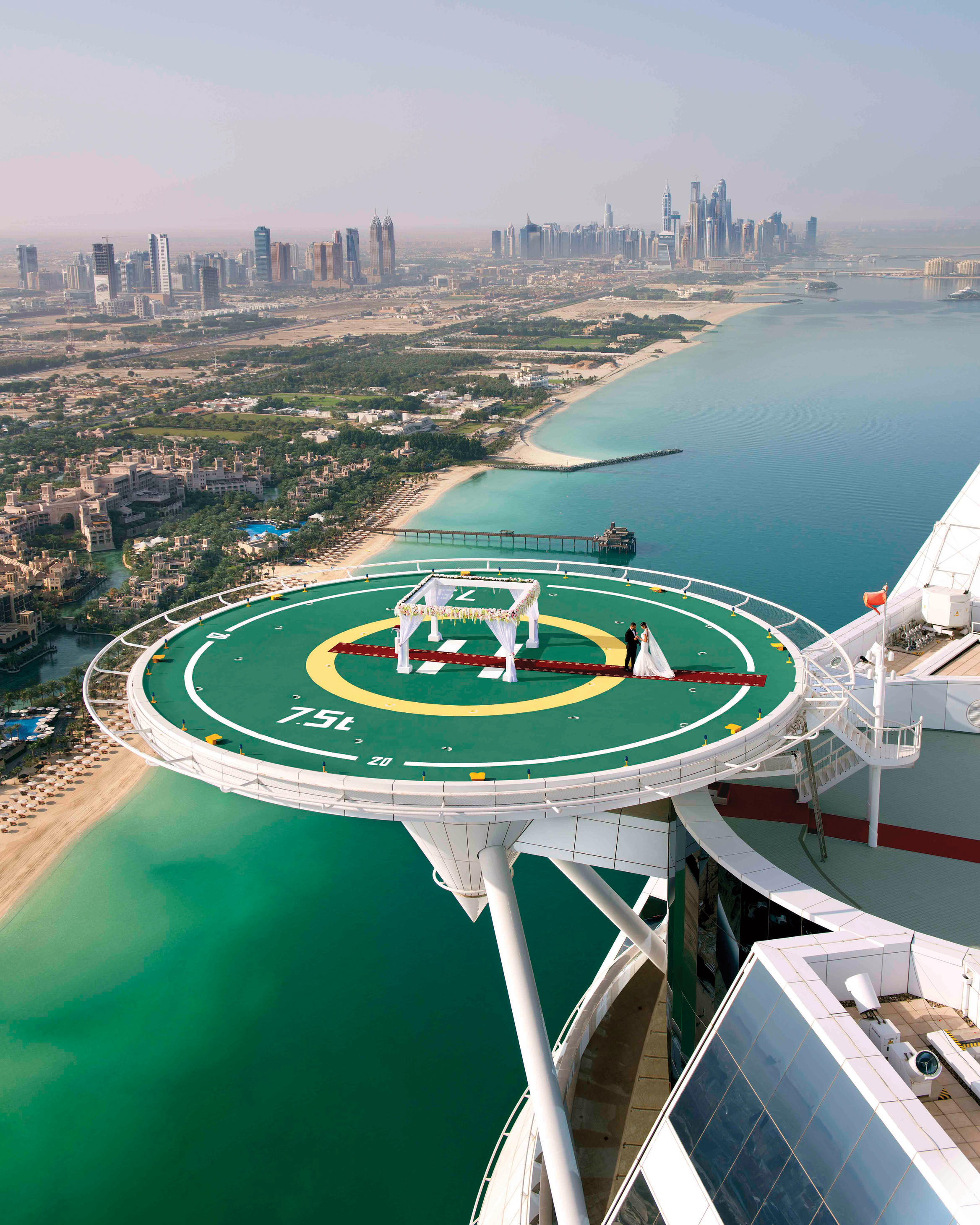 adventurous-ways-to-marry-burj-al-arab-wedding-in-the-skies-1215.jpg