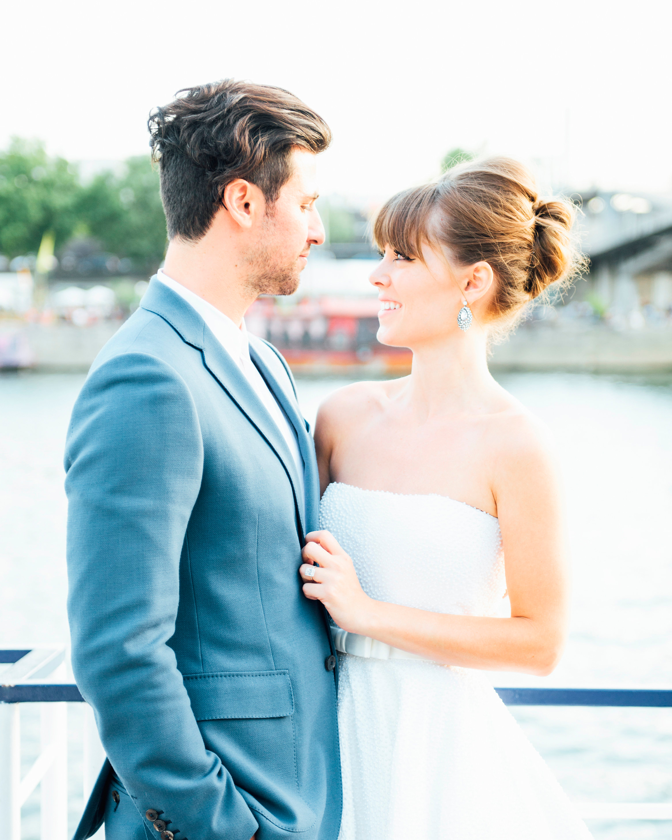 jenny-freddie-boatride-couple-066-s112779-1215.jpg