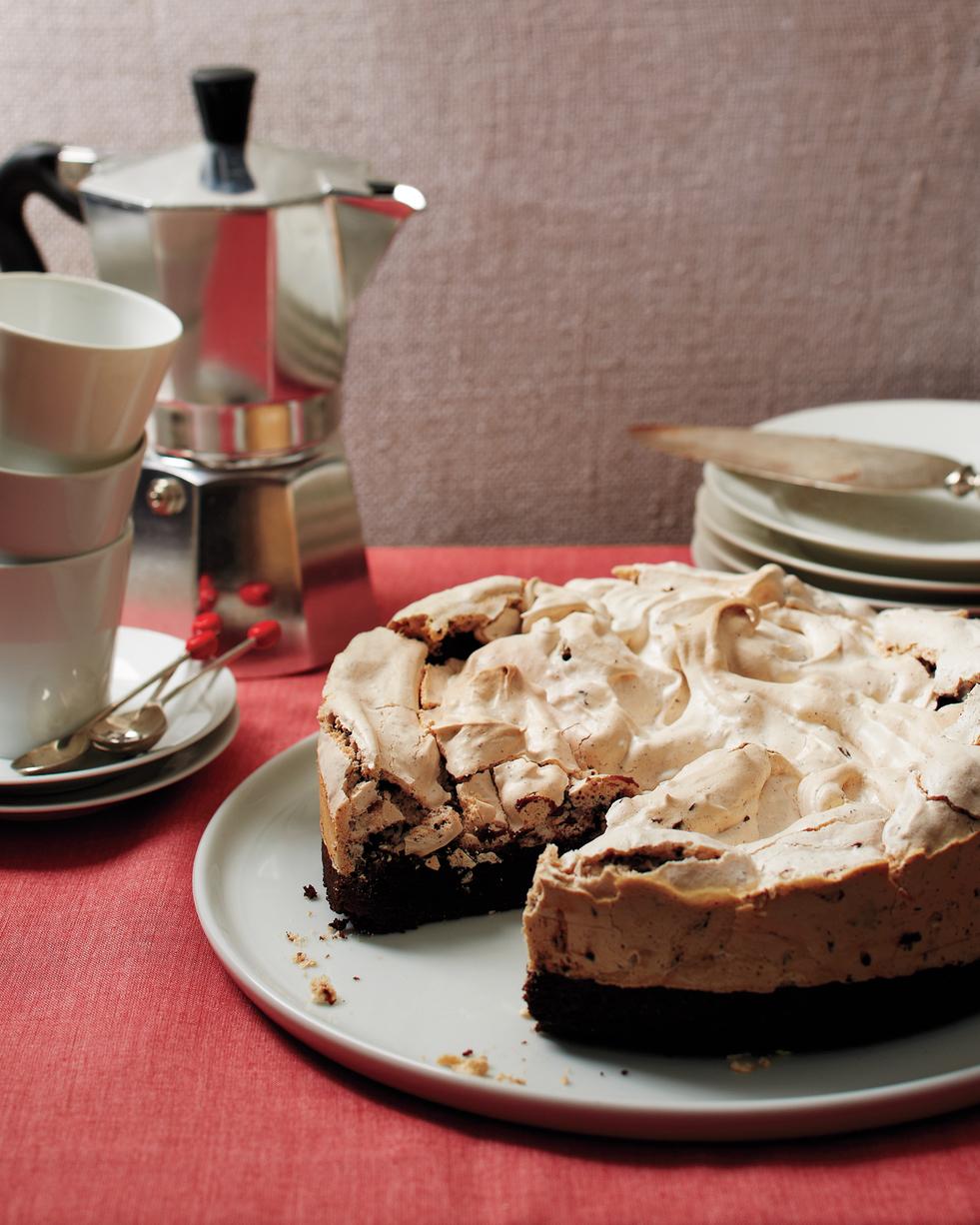 hol-peppermint-meringue-brownie-cake-007b-med109135.jpg