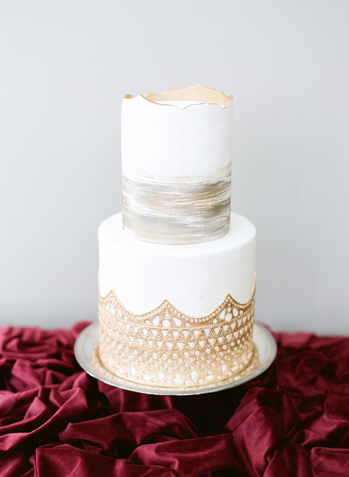 winter wedding cakes almond leaf studios