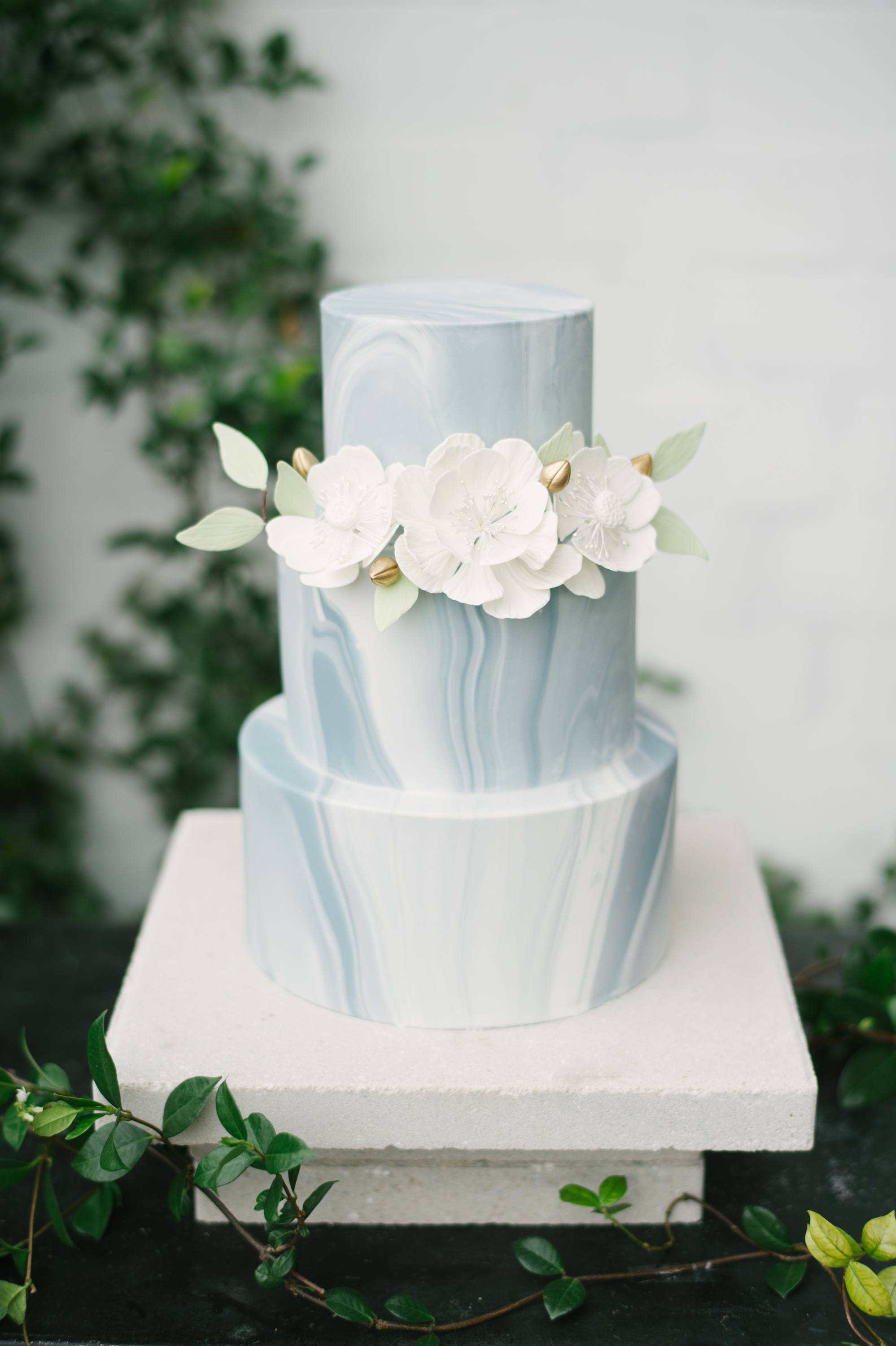 winter wedding cakes jordan weiland