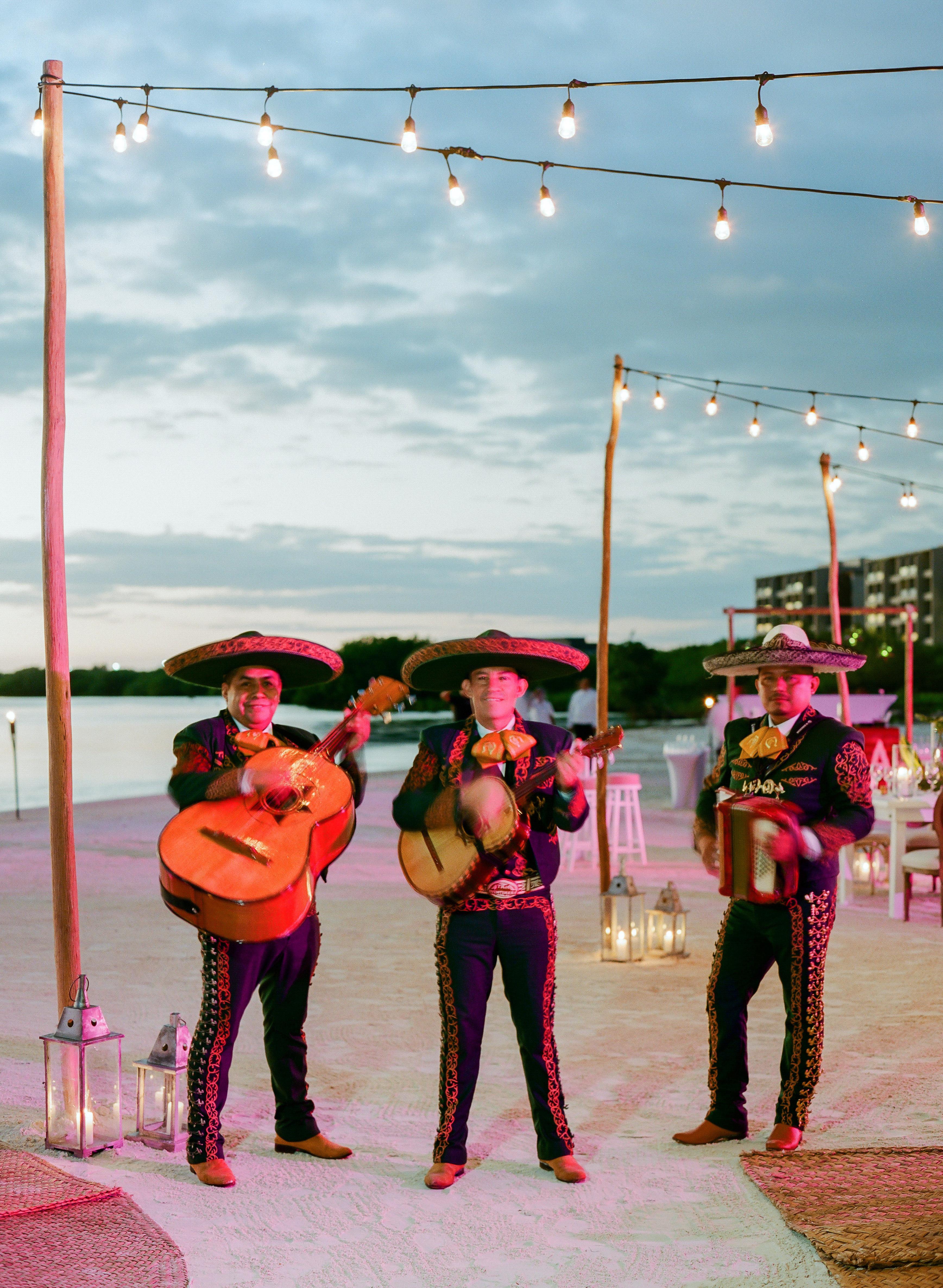 vicky james mexico mariachi band