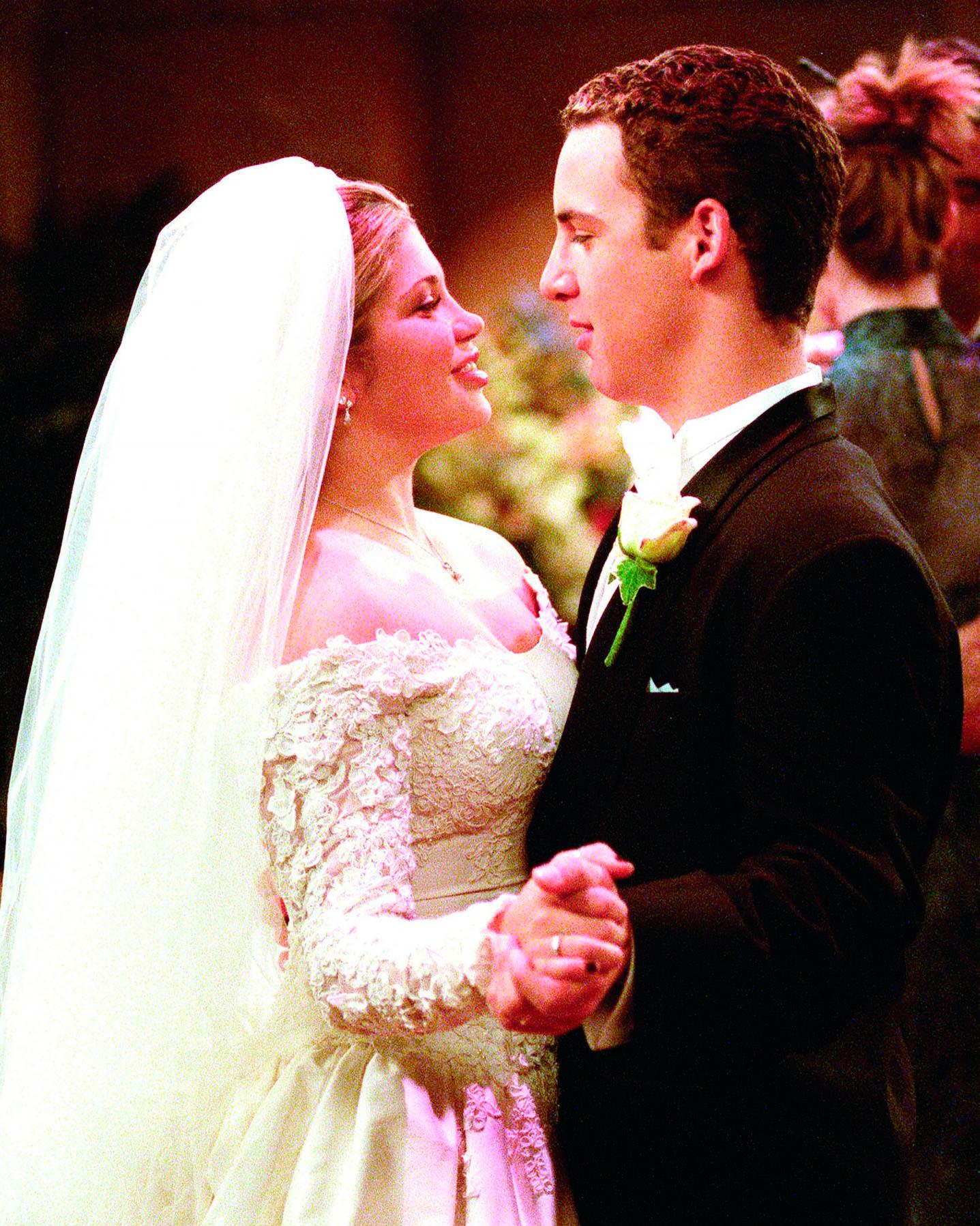 tv-wedding-boy-meets-world-cory-topanga-1015.jpg
