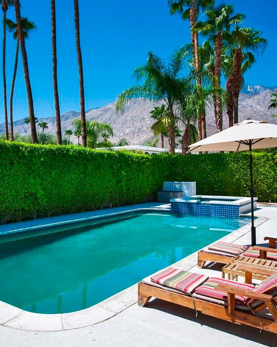 bachelorette-party-destinations-palm-springs-california-airbnb-1215.jpg