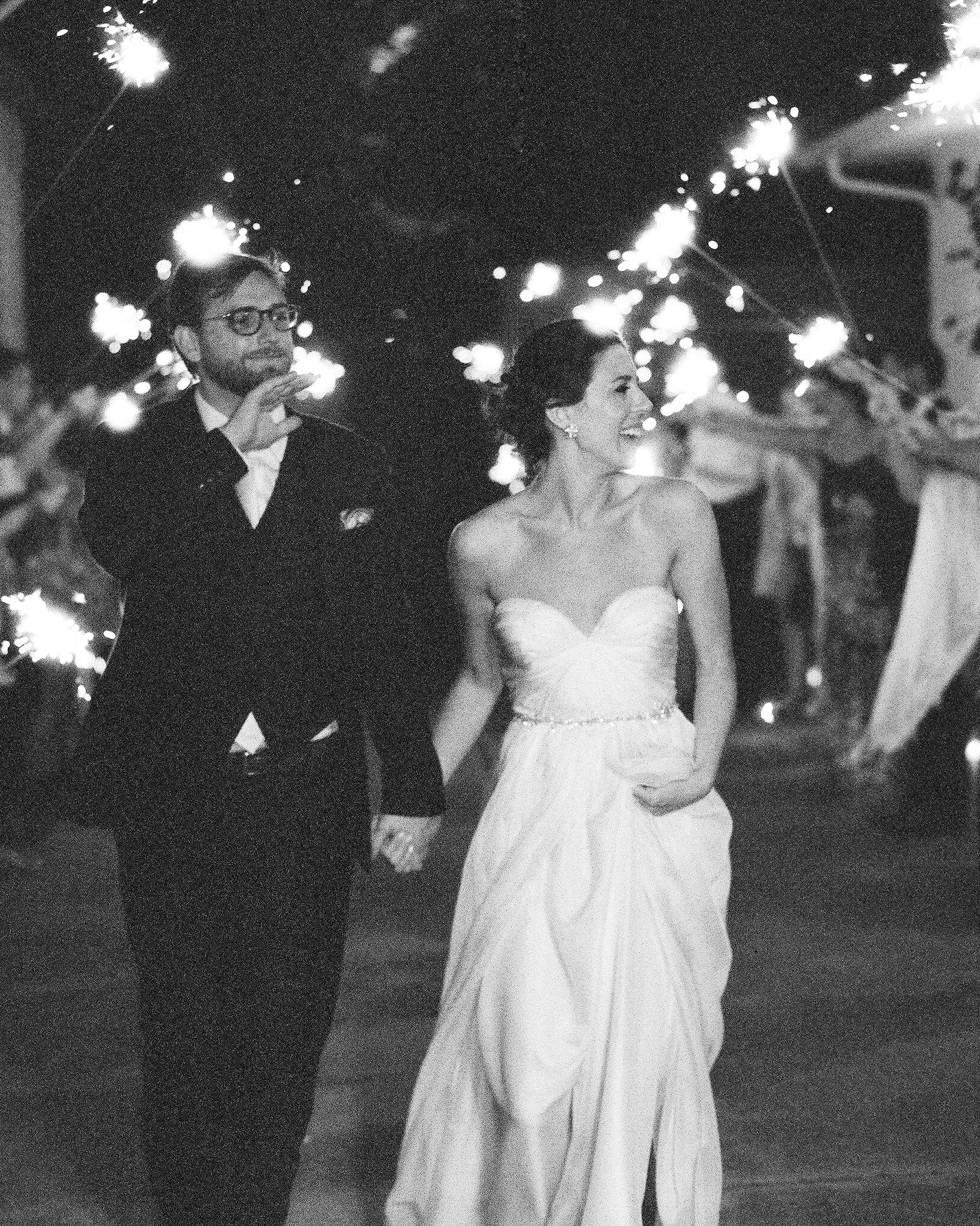mackenzie-ian-wedding-sparklers-005-s112461-0116.jpg