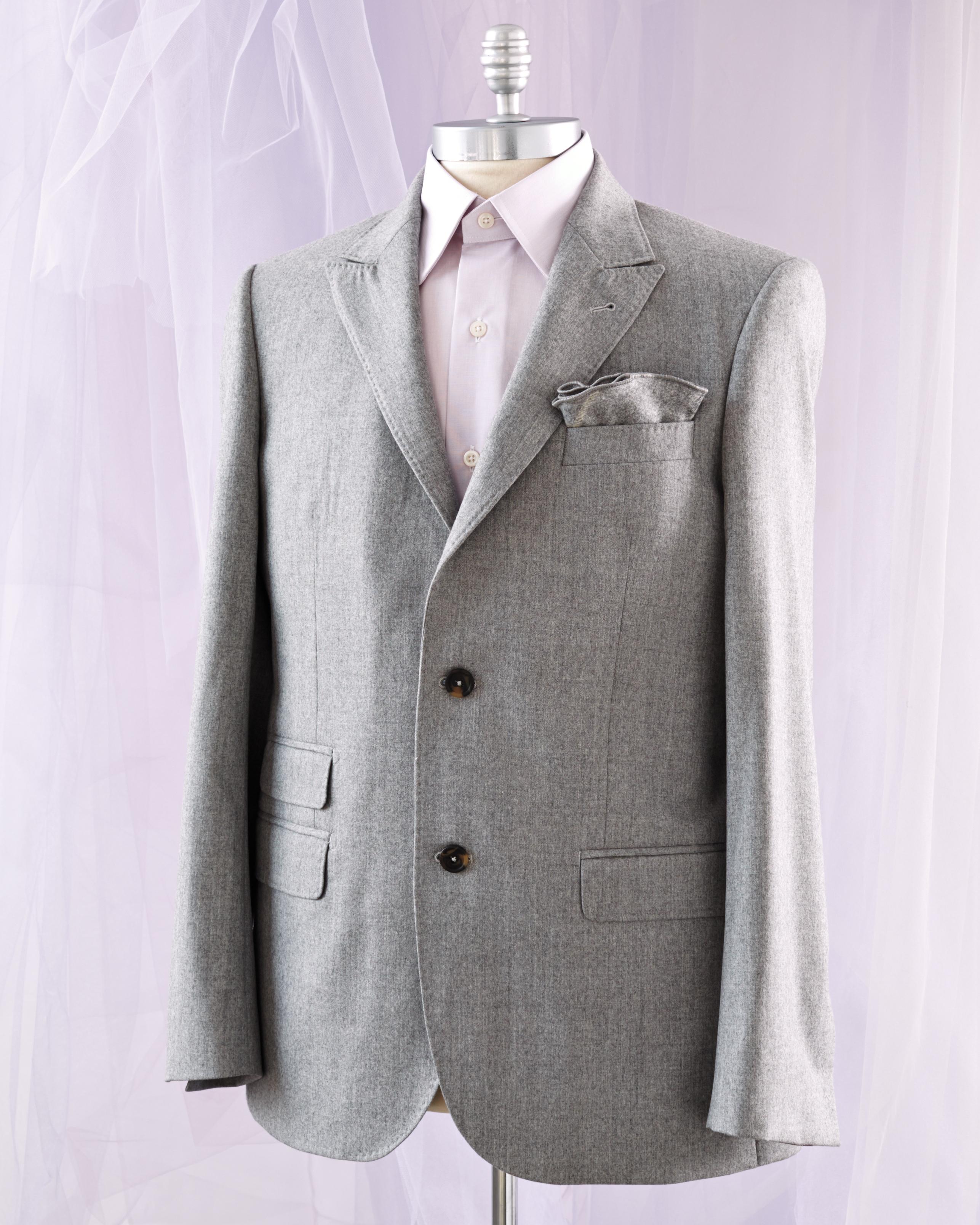 suit-196-d112421.jpg