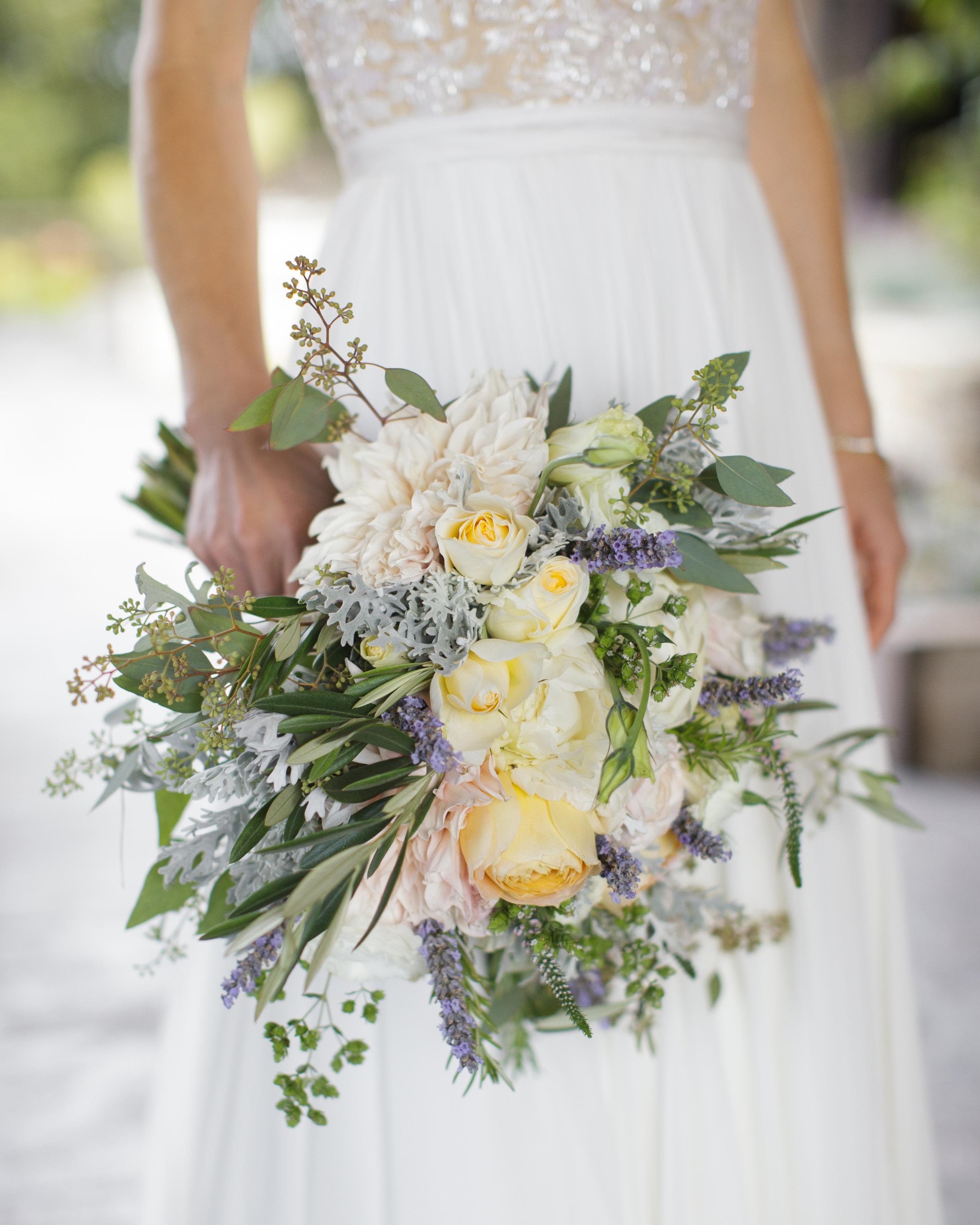 kristin-chris-wedding-bouquet-158-s112398-0116.jpg