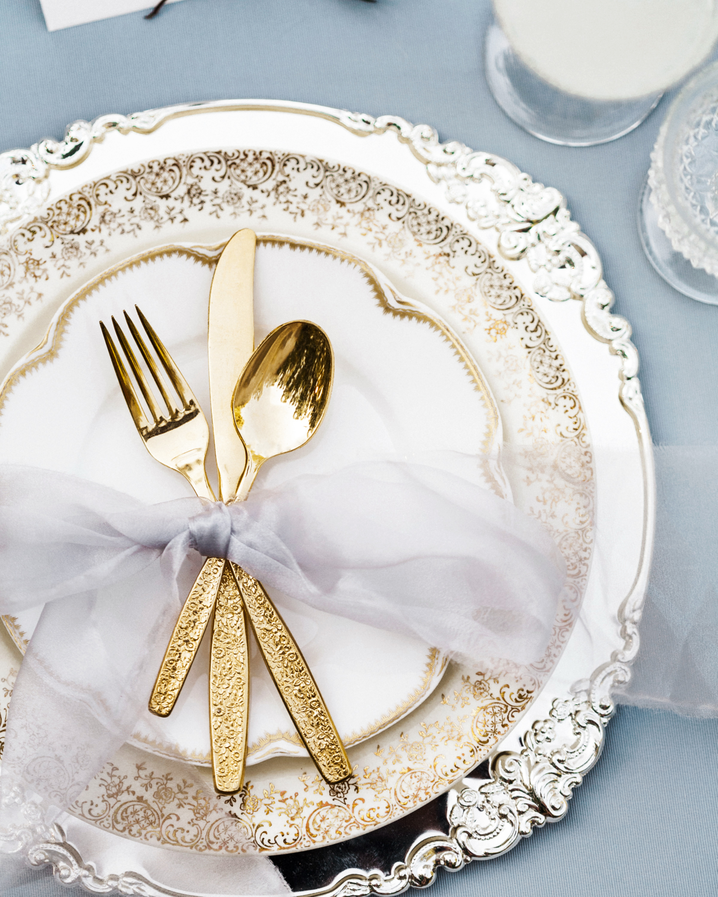 24 Metallic Wedding Ideas That Will Add a Little Shine to Your Big ...