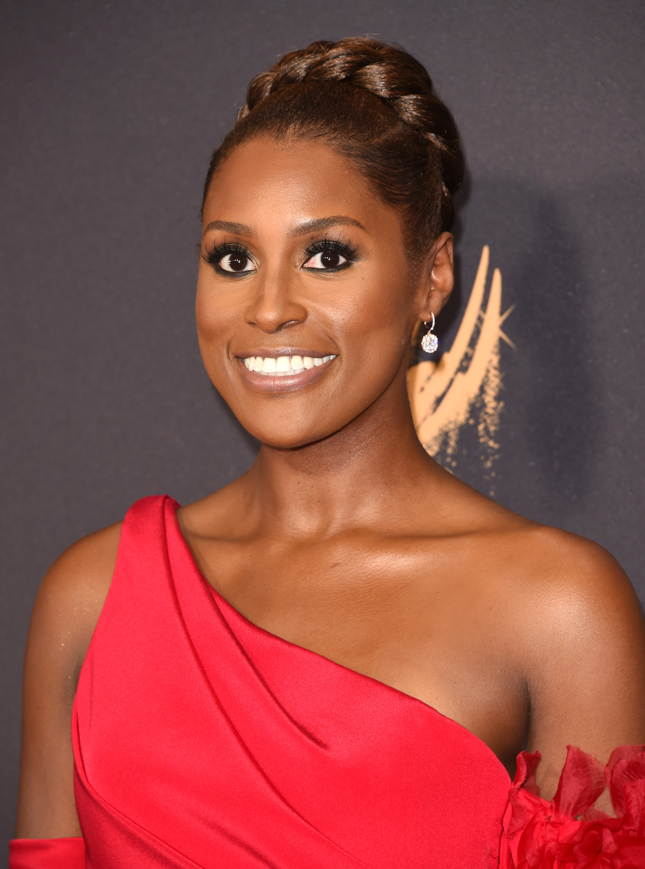 issa rae hairstyle 2017 emmys
