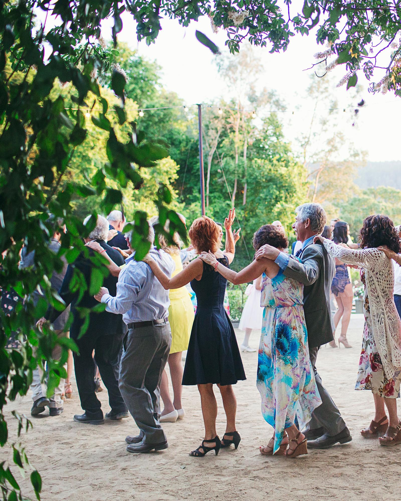 rosie-ambi-wedding-conga-6494-s112501-0116.jpg