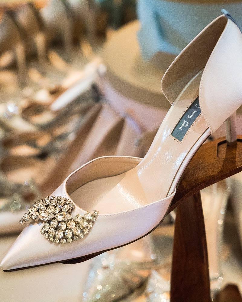 martha-stewart-wedding-party-sjp-shoes-0116.jpg