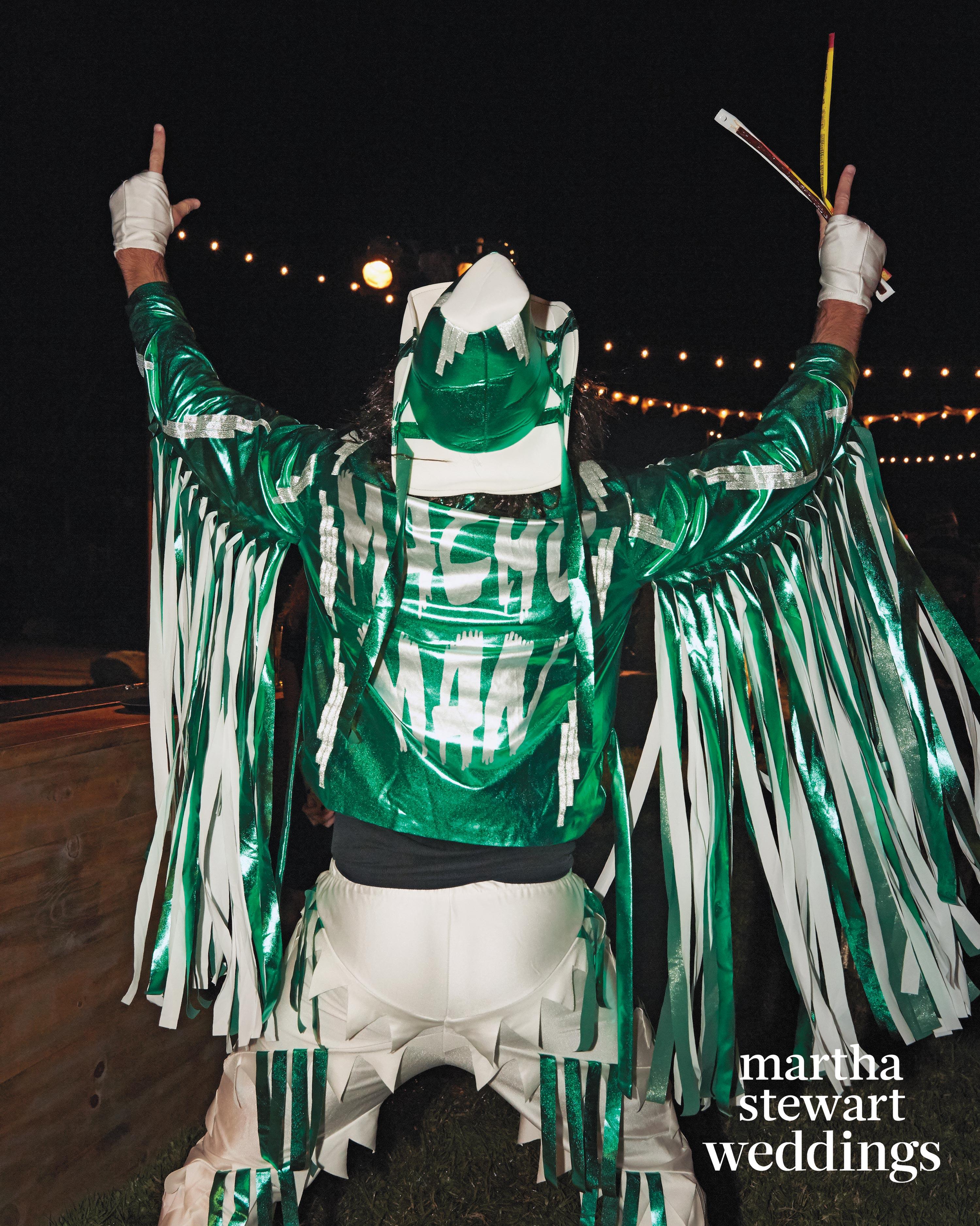 jamie-bryan-wedding-11-costume-party-0759-d112664.jpg