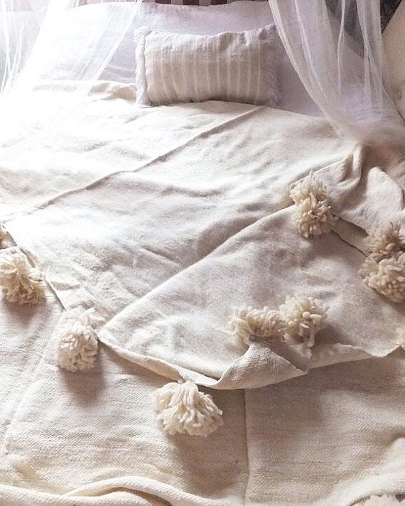 wedding-gifts-etsy-white-pom-pom-blanket-0216.jpg