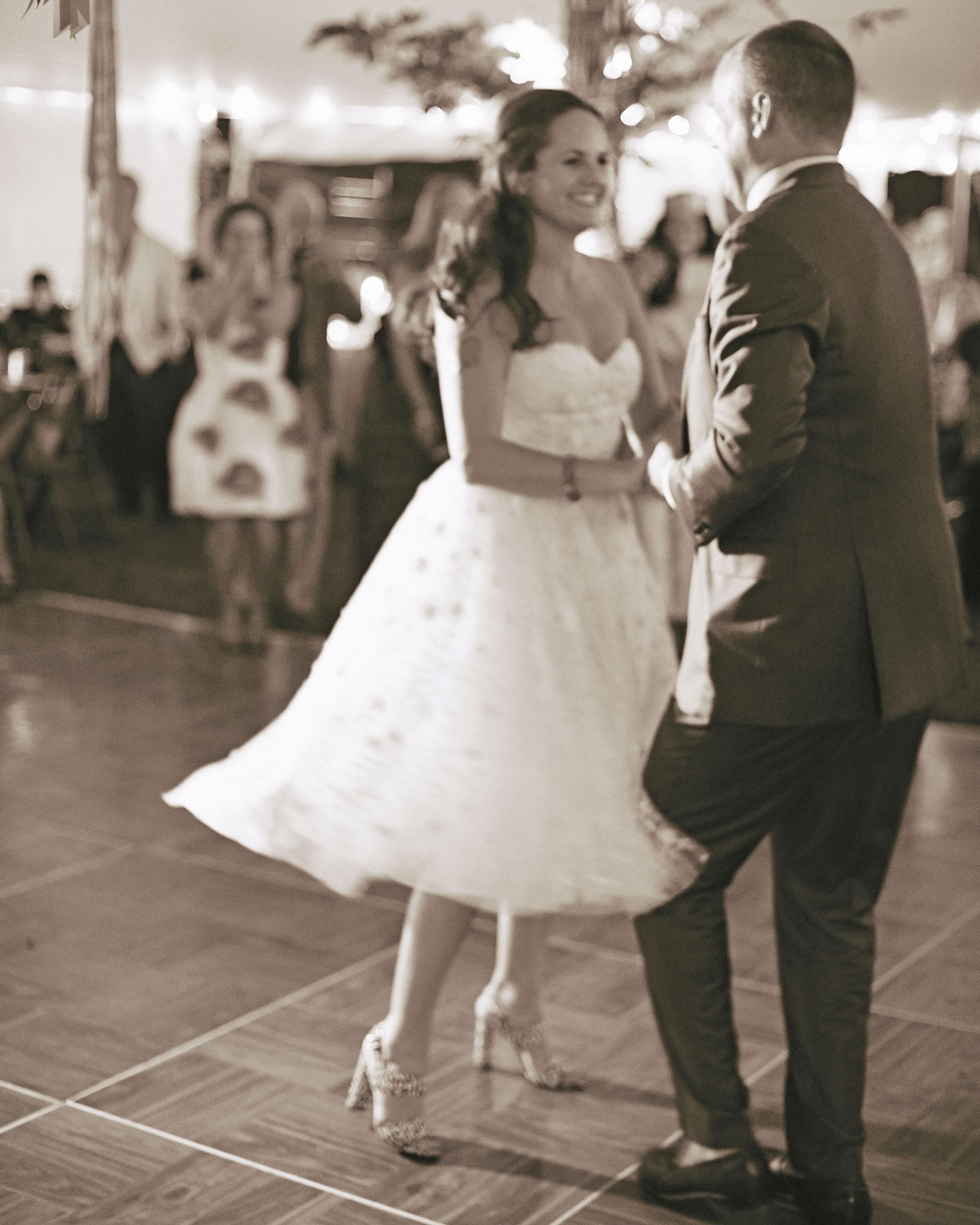 mfiona-peter-wedding-vermont-first-dance-d3s.705.2015.47-d112512.jpg