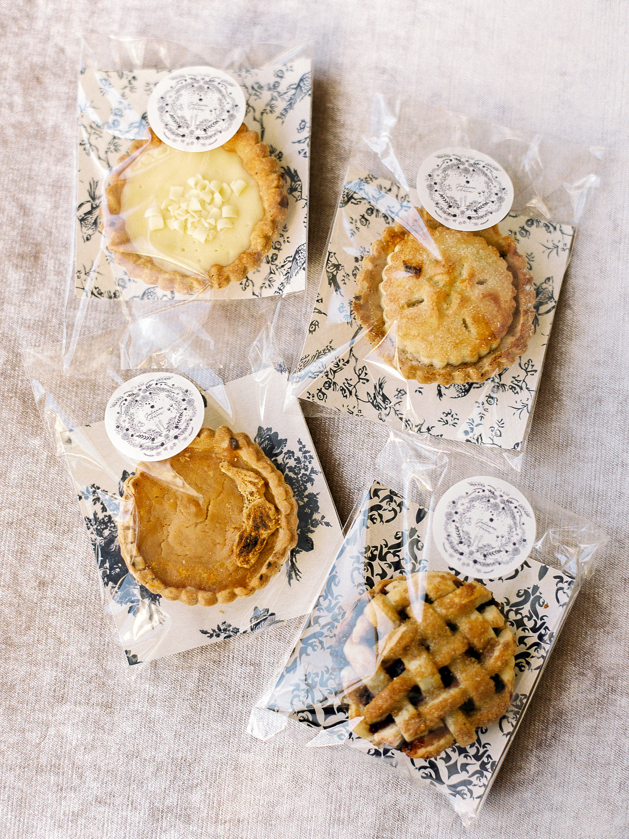 julianne aaron wedding pies