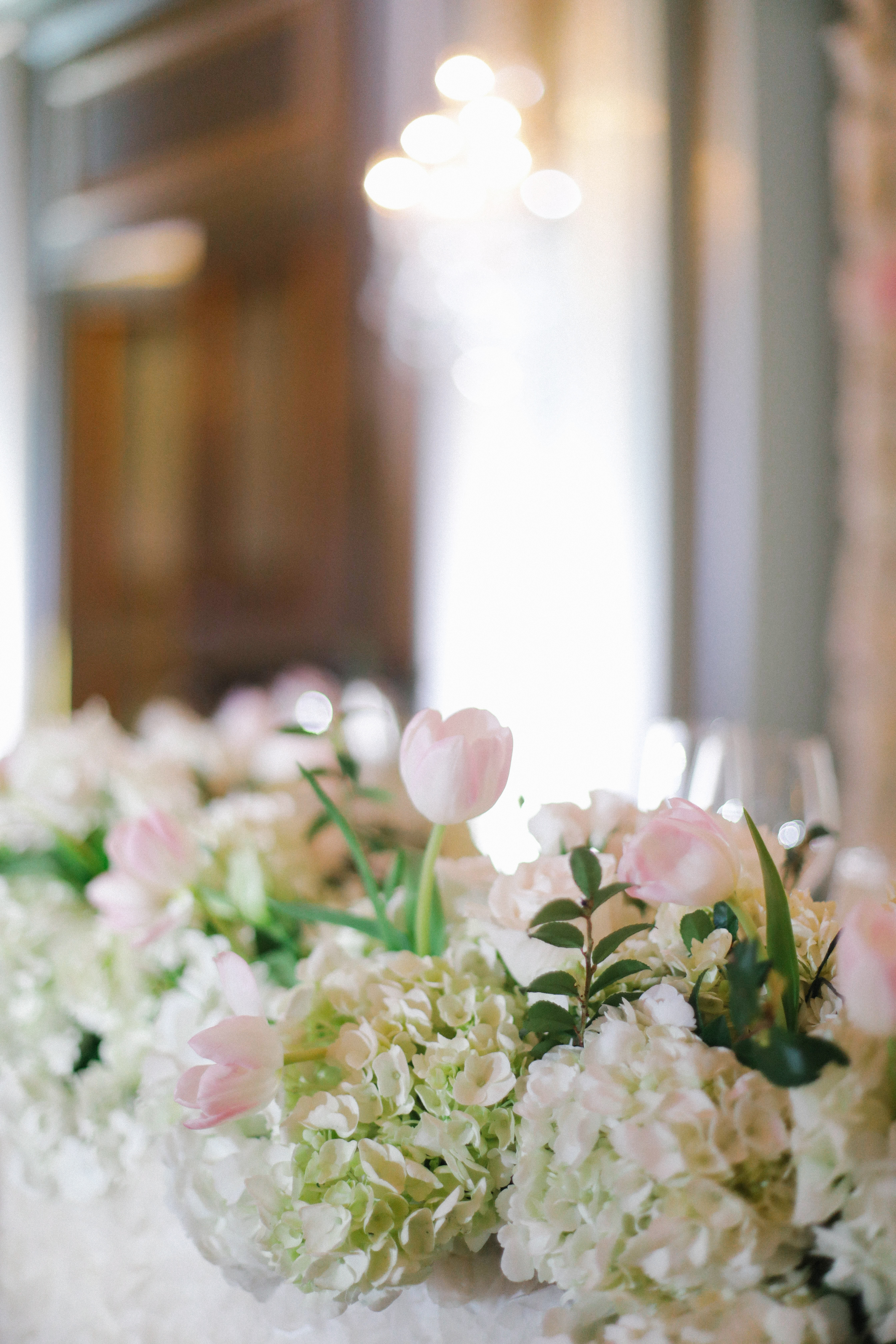 centerpiece with hydrangeas and tulips