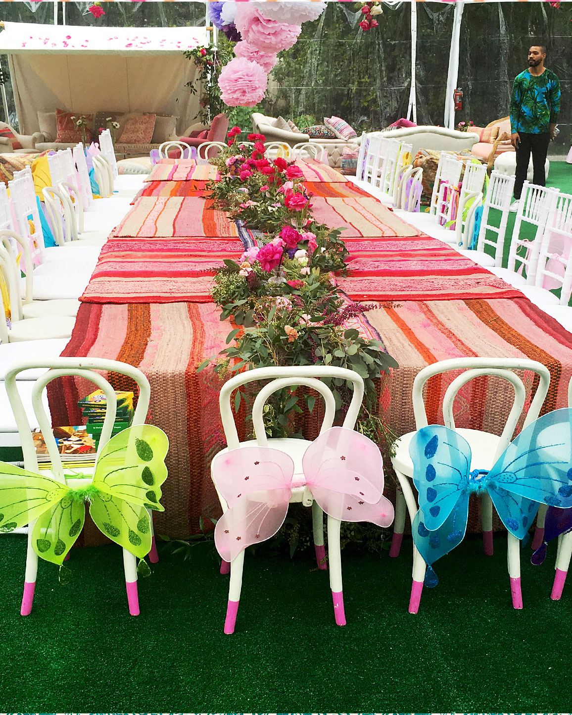 beyonce-blue-ivy-birthday-bridal-shower-inspo-table-setting-0416.jpg