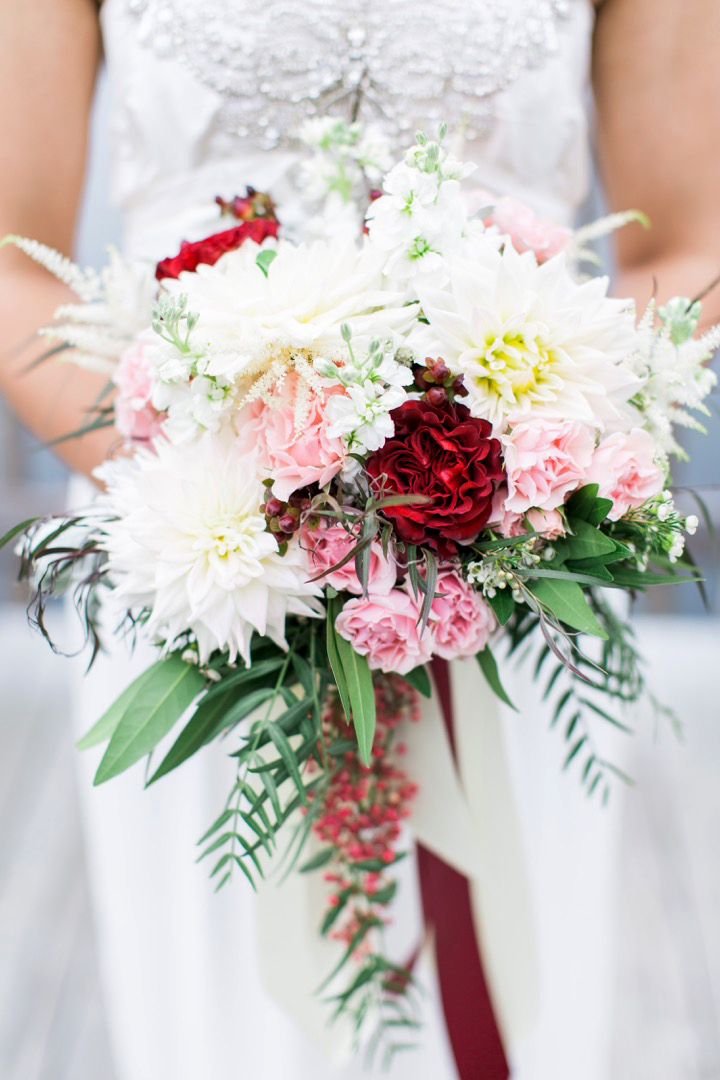 bride dahlia bouquet pink red white flowers