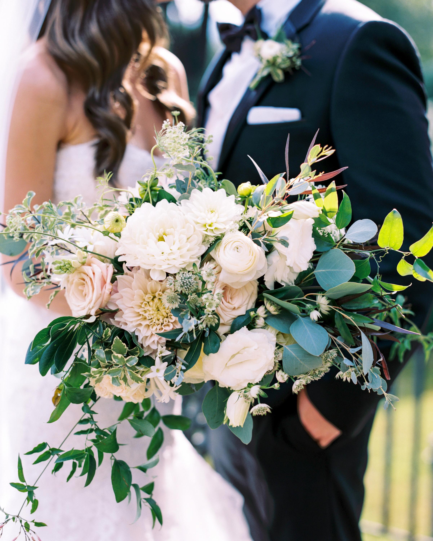 jackie-ross-wedding-bouquet-019-s111775-0215.jpg