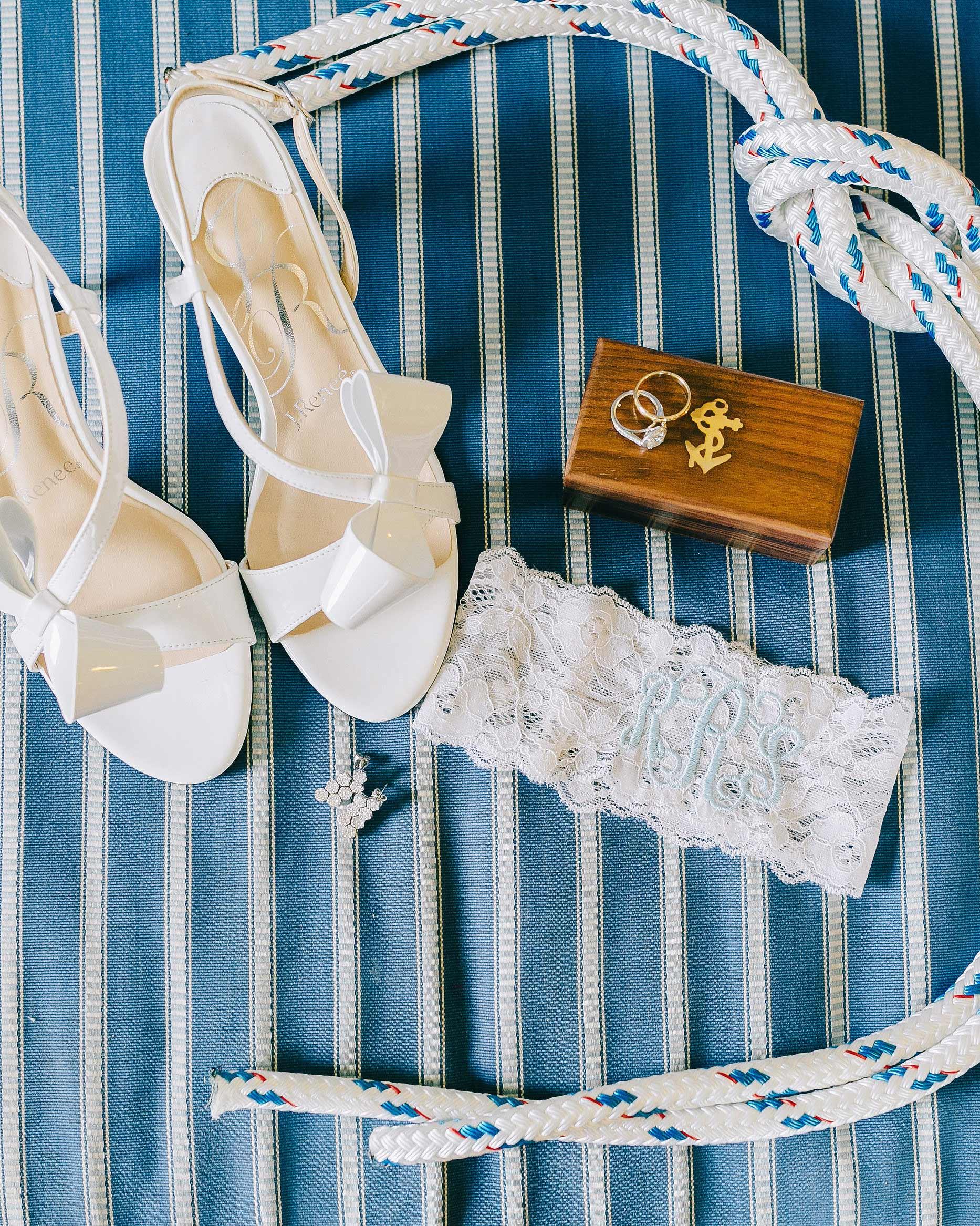 rachel-jurrie-nautical-wedding-accessories-0024-s112778-0416.jpg