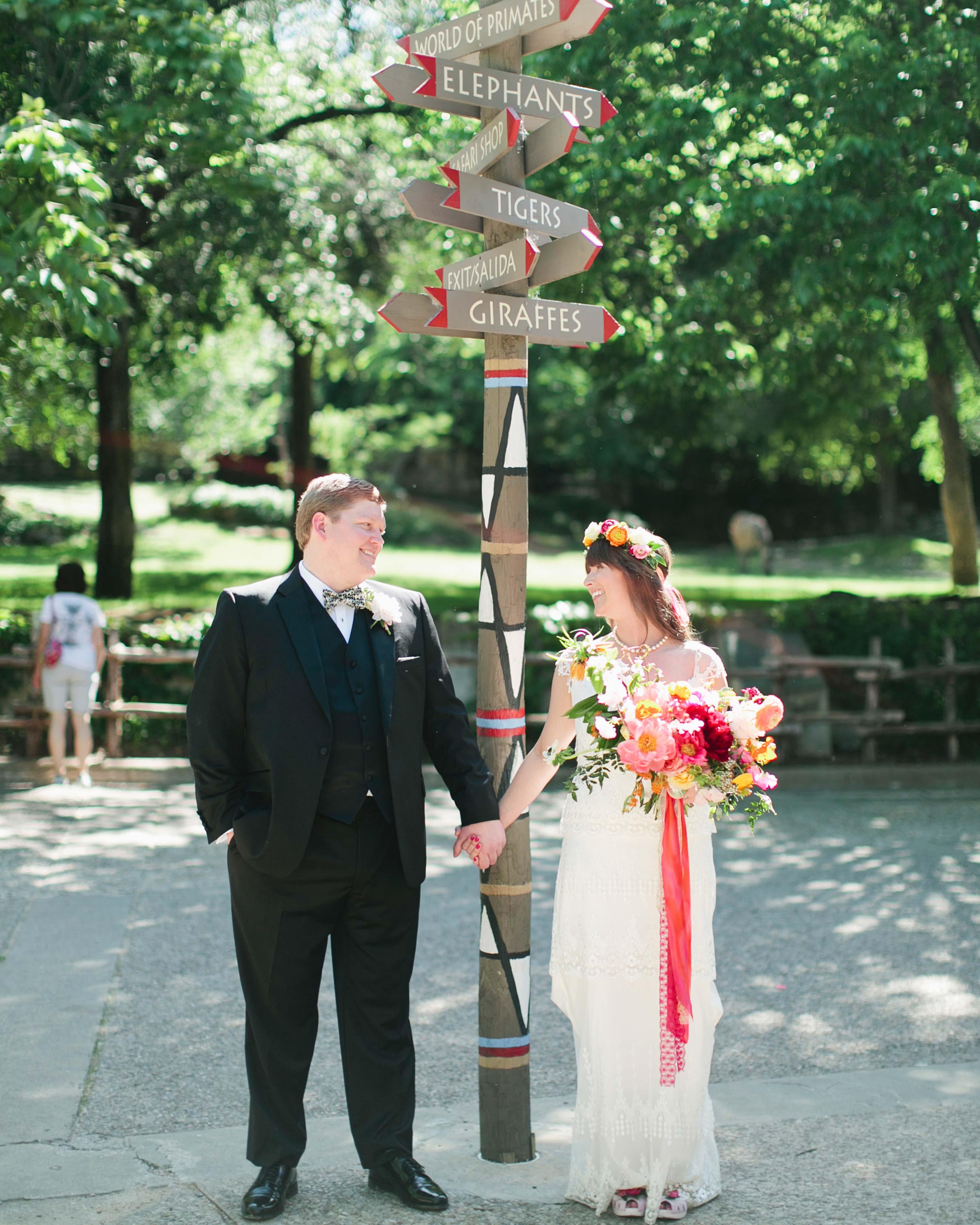 holly-john-wedding-texas-couple-zoo-042-s112833-0516.jpg