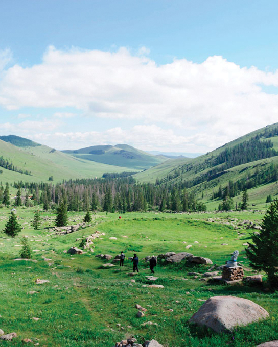 travel-new-places-ulaanbaatar-hill-side.jpg