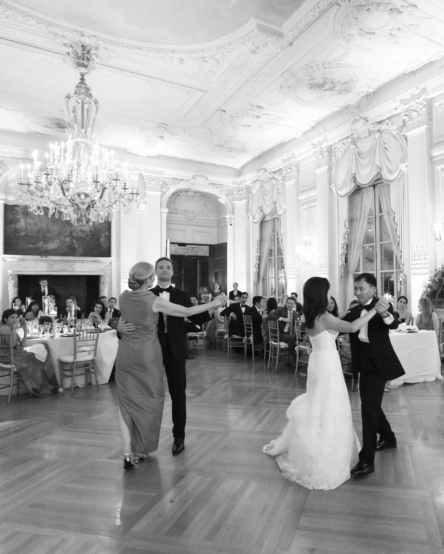 lissy-steven-wedding-newport-parentdances-156-elizabethmessina-s112907-0516.jpg