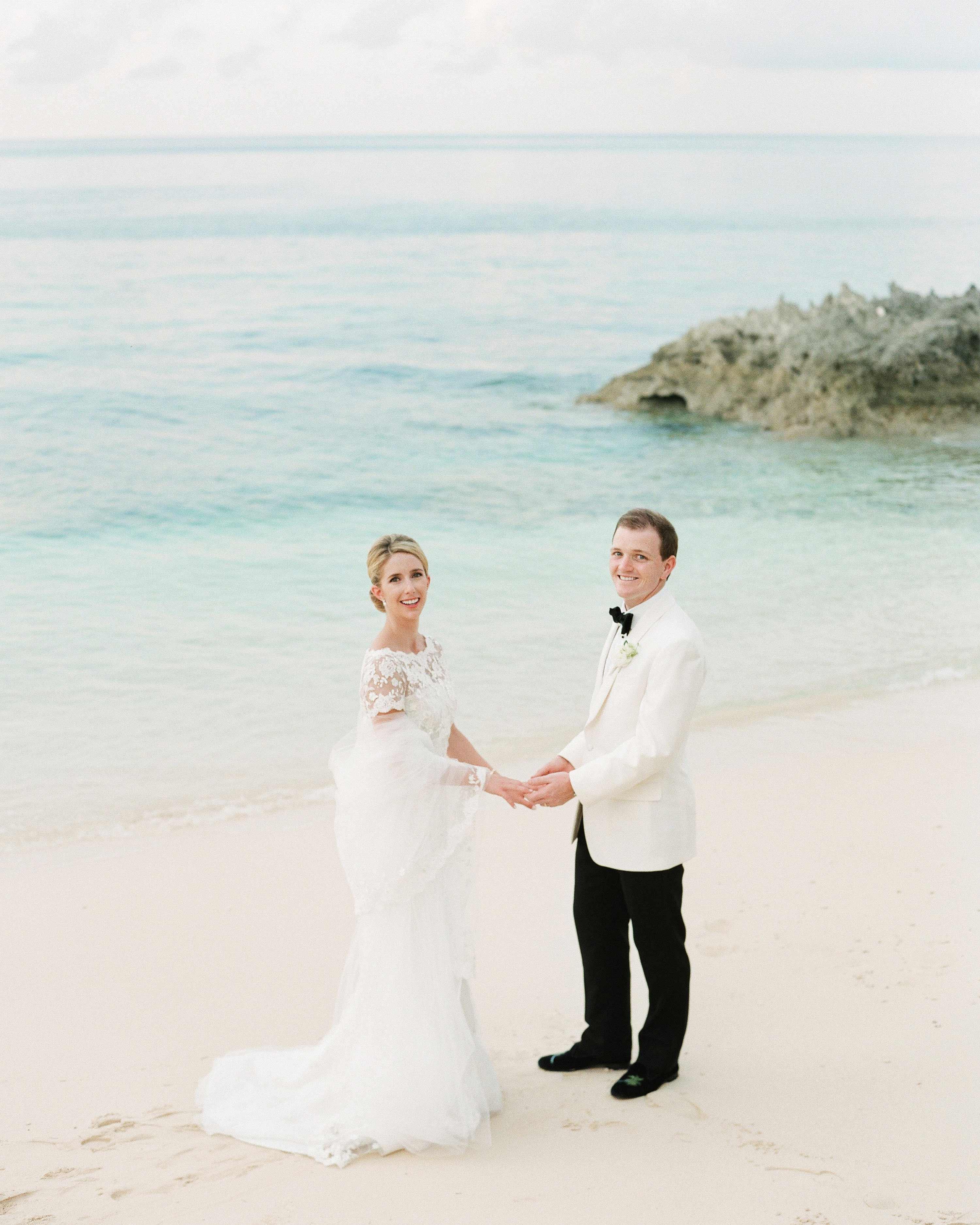 kelsey-casey-real-wedding-bride-and-groom-potrait-on-beach.jpg